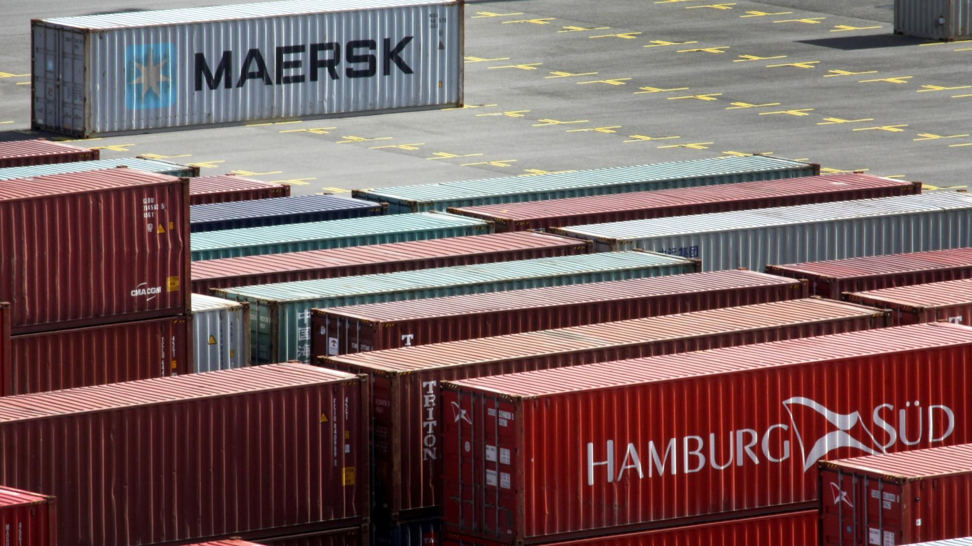 Excedente comercial de bens na zona euro sobe para 26,4 mil milhões