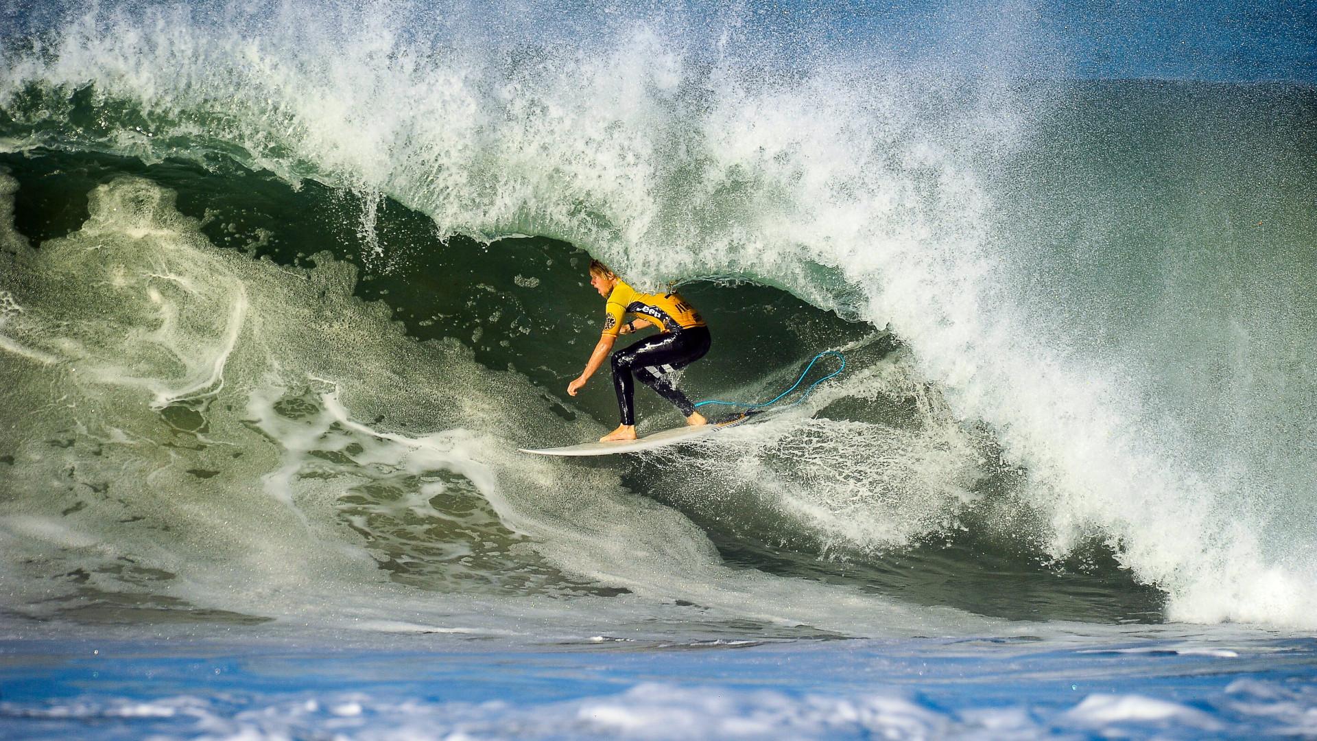 Circuito Mundial De Surf : Portugal mantém penúltima etapa do circuito mundial de