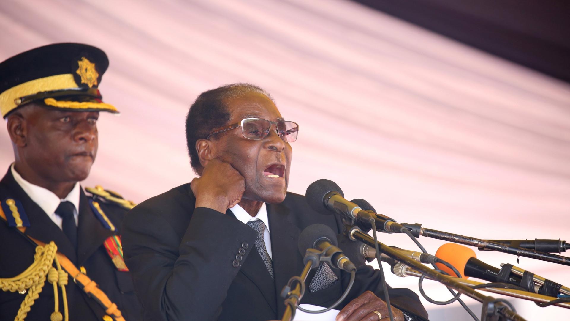 Explosões ouvidas na capital do Zimbabué e militares nas ruas de Harare