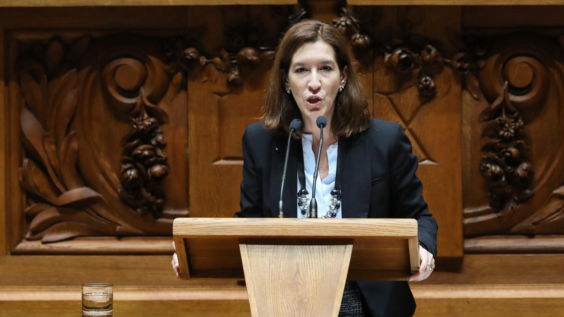 """CDS acusa Governo de """"estalinização"""", ministro desvaloriza """"ruído"""""""