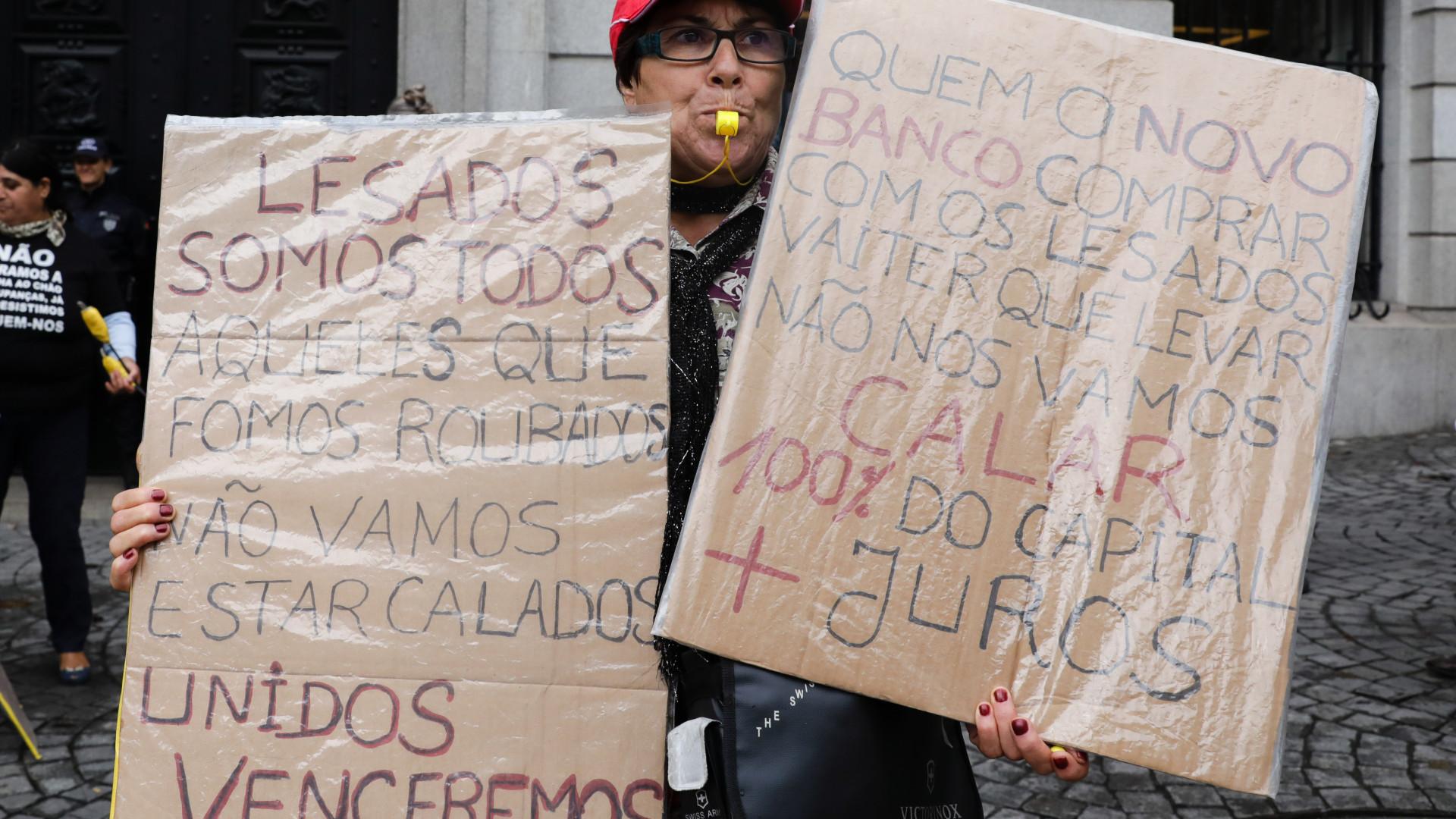 Lesados do BES manifestam-se hoje no Porto