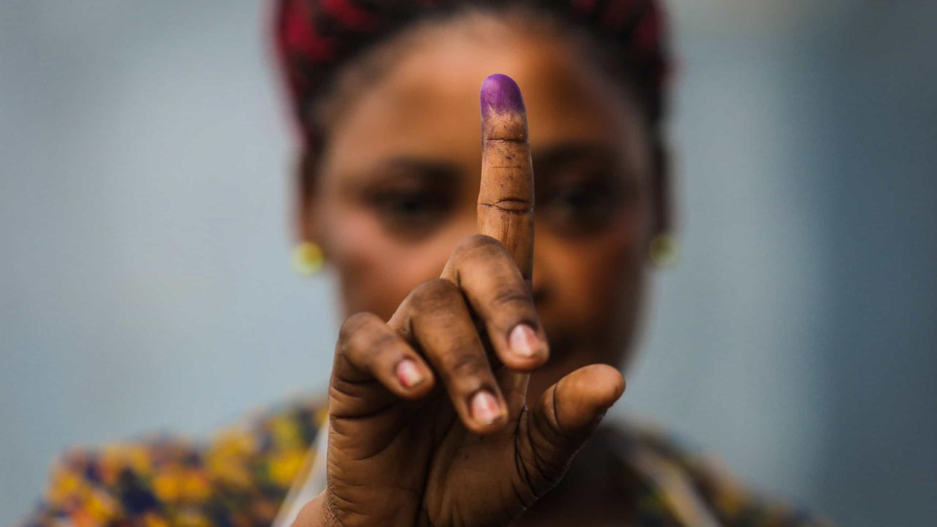 """Santos Silva espera """"respeito pelas regras democráticas"""" em São Tomé"""