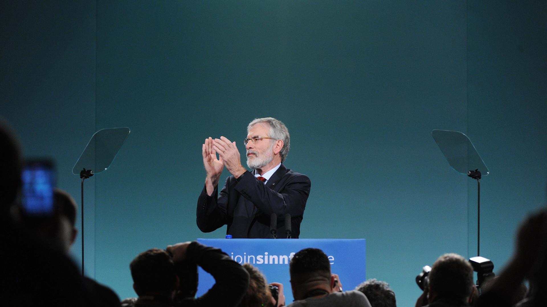 Gerry Adams anuncia que deixará presidência do Sinn Féin em 2018