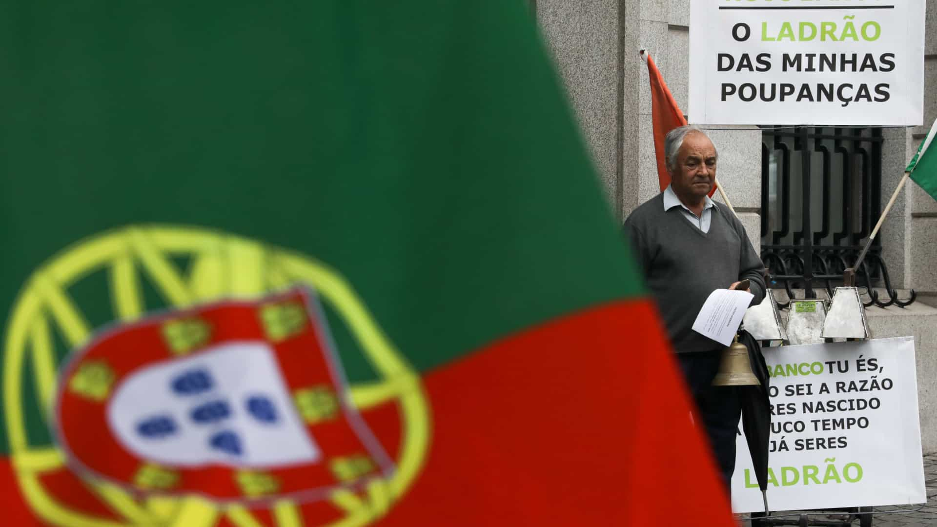 Lesados do BES manifestam-se hoje junto à sede do PS no Porto