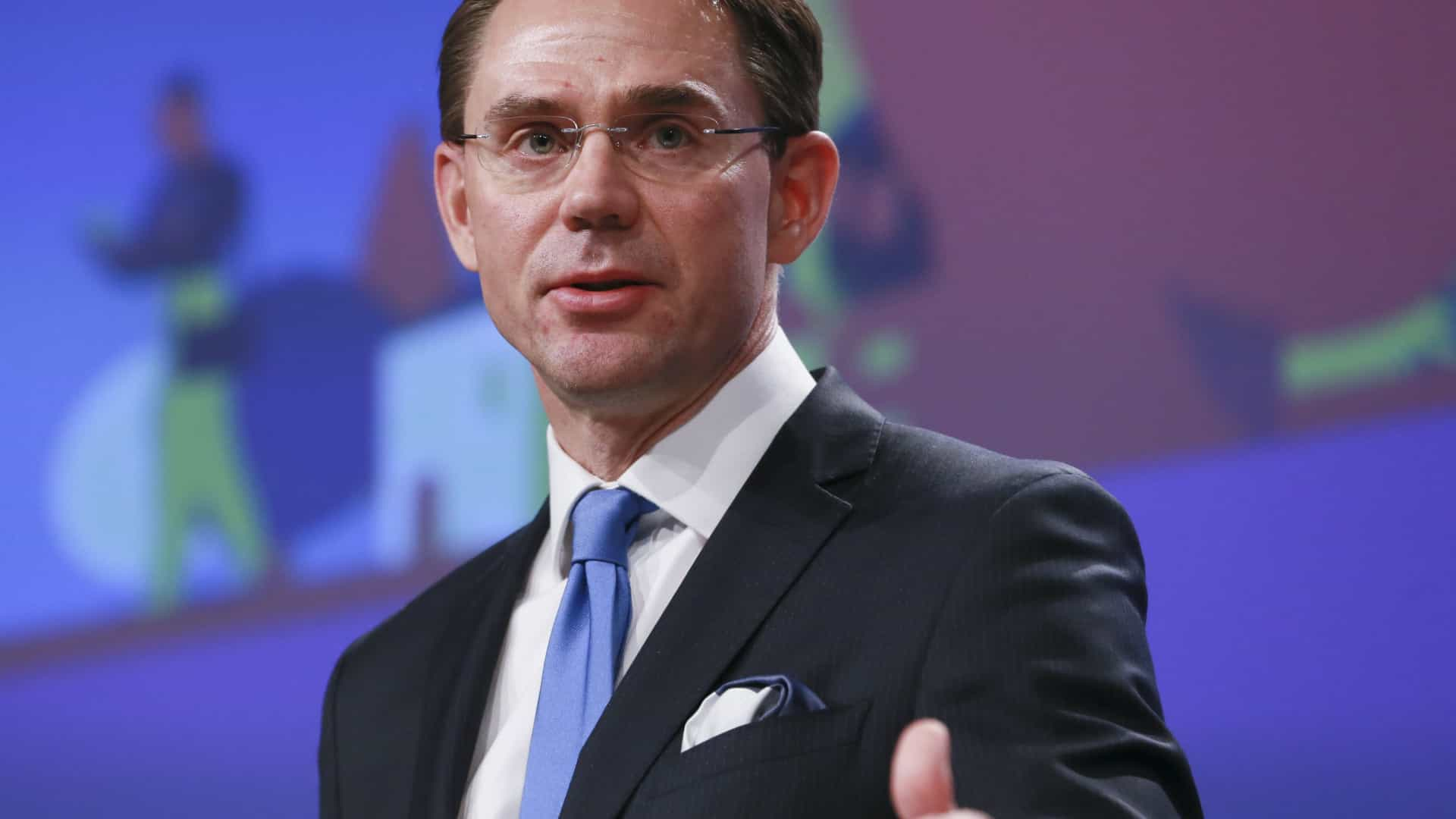 Vice-presidente da Comissão admite reunião com Barroso e relança polémica