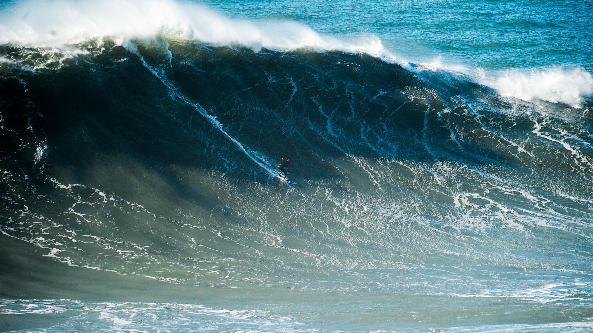 """Hugo Vau surfou 'bomba' na Nazaré """"diferente de todas as outras"""""""