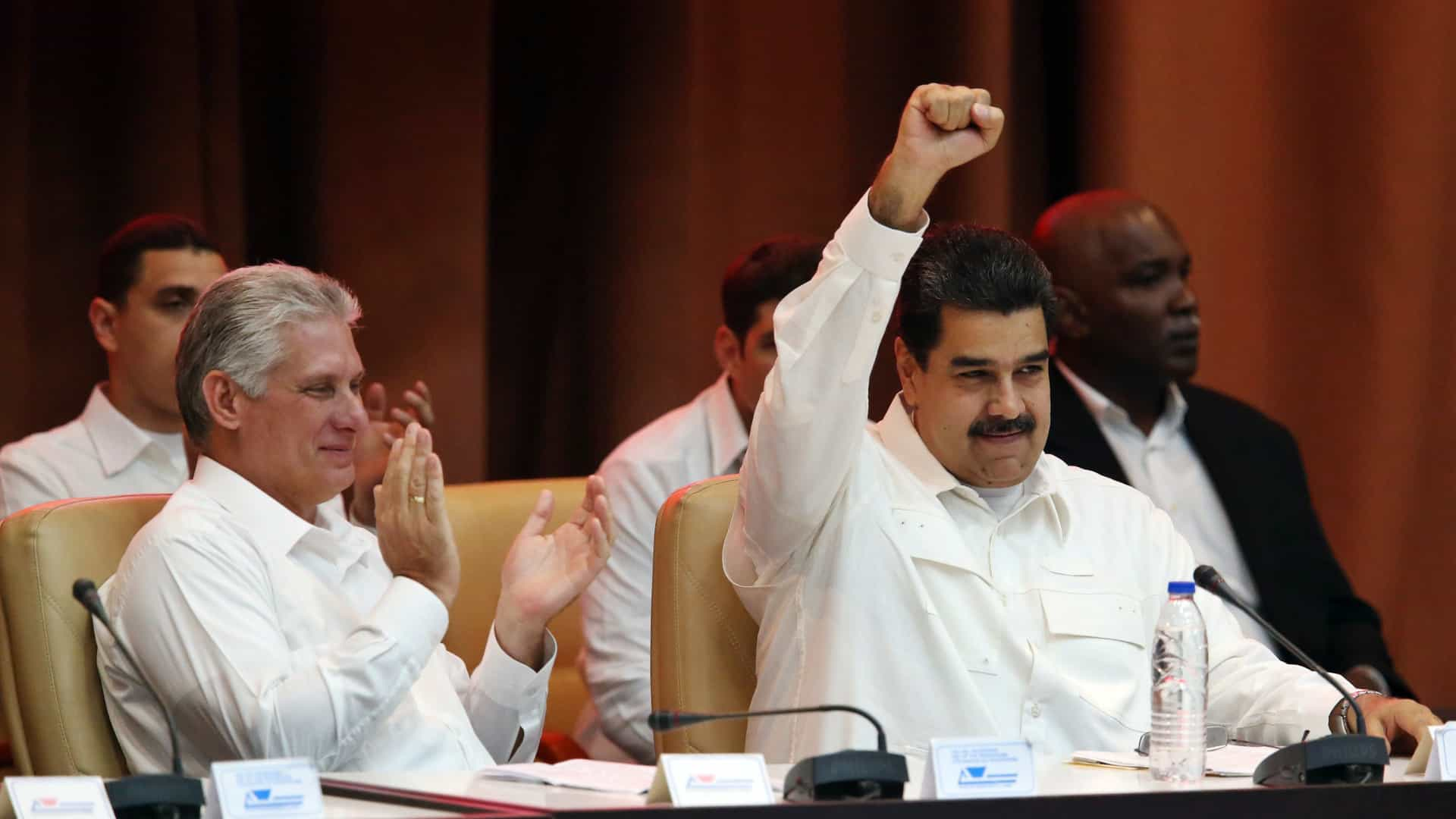 """Maduro pede justiça """"ao mais alto nível"""" contra """"traidores da pátria"""""""