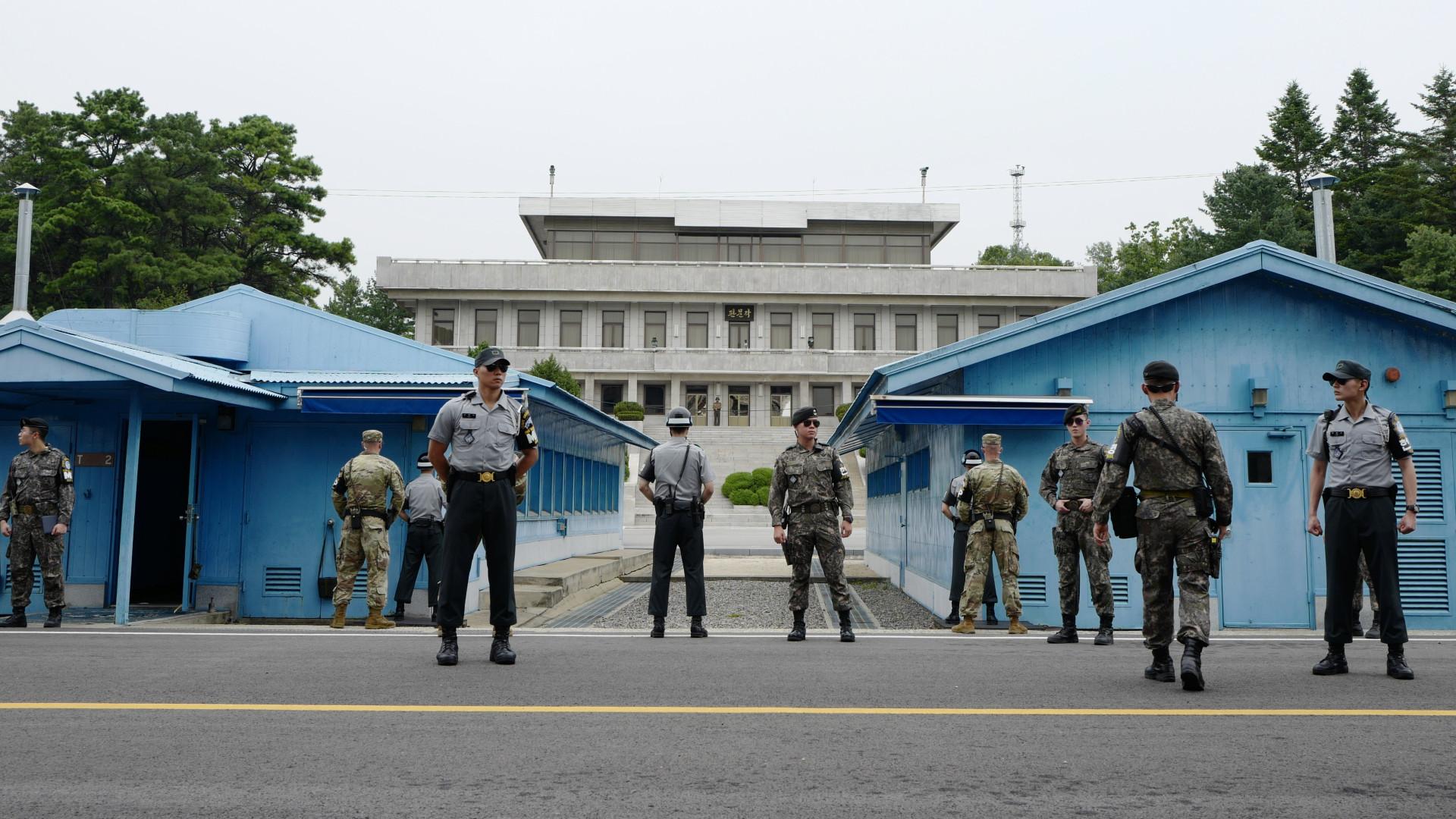 Coreia do Norte anuncia reabertura de canal de comunicação com o Sul