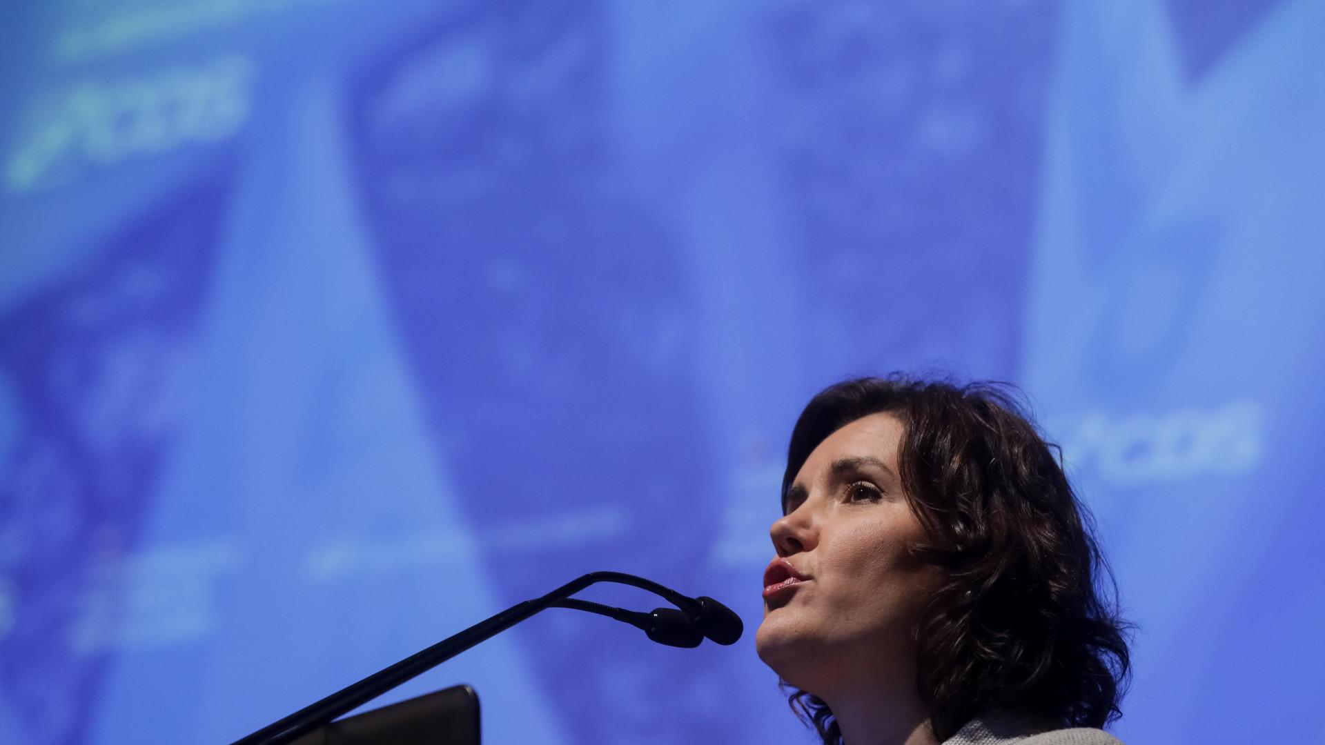 Cristas desafia o PSD a rever posição quanto a financiamento dos partidos