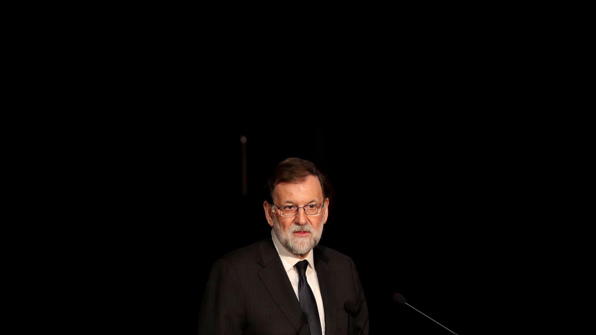Rajoy quer ver lei cumprida e investidura de Puigdemont impedida