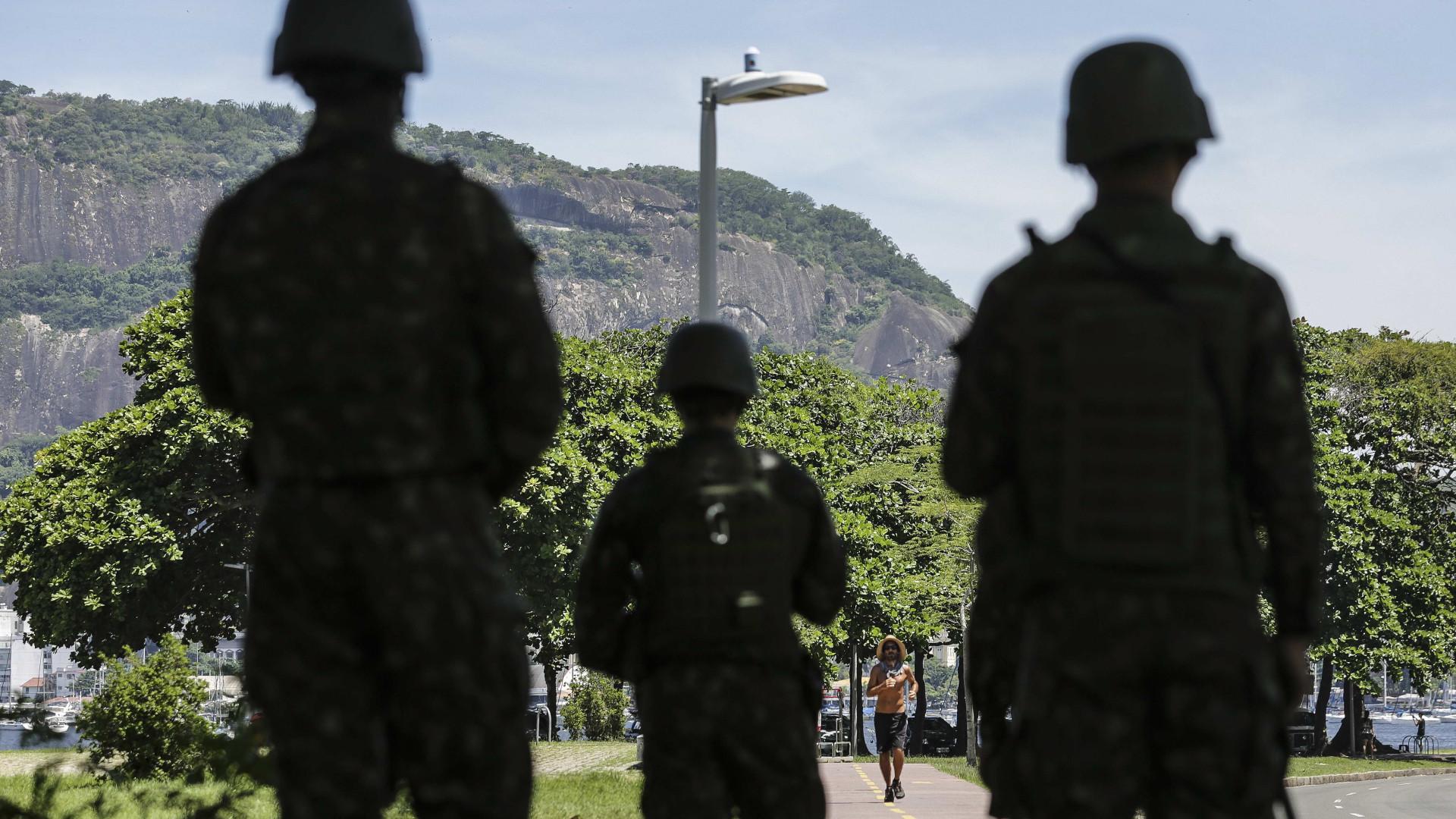 Três pessoas morreram num assalto no Rio de Janeiro