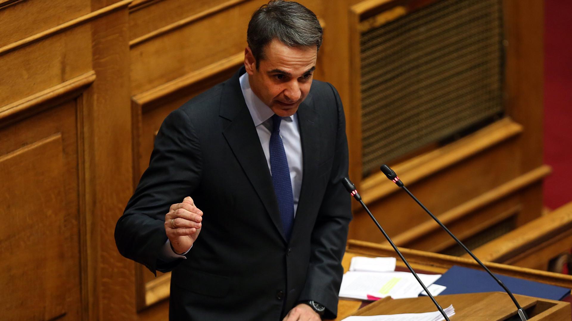 Direita grega anuncia moção de censura por acordo sobre Macedónia