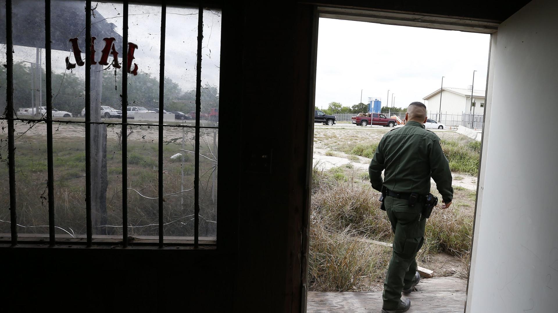 Centenas de crianças separadas dos pais em celas do Texas