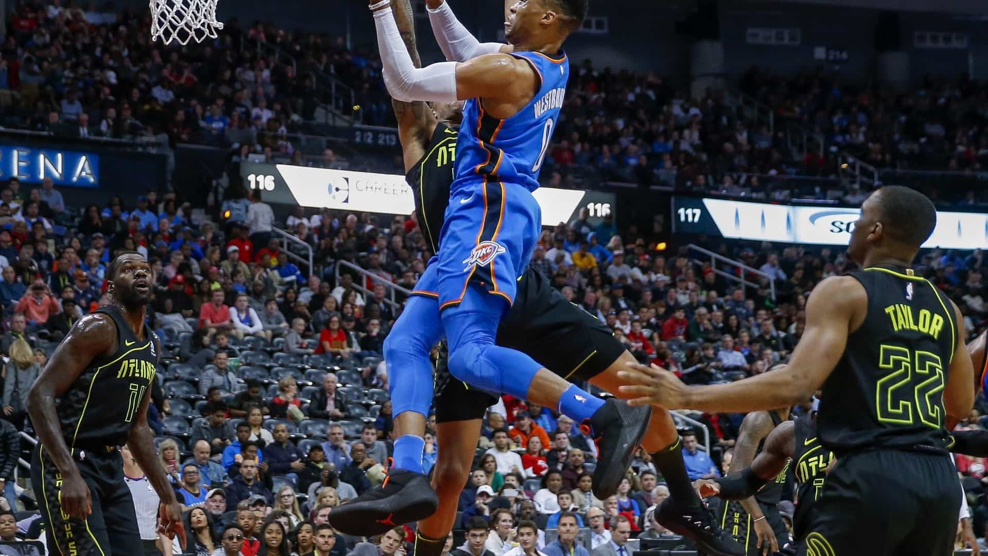 Russell Westbrook soma 100.º triplo duplo na fase regular da NBA