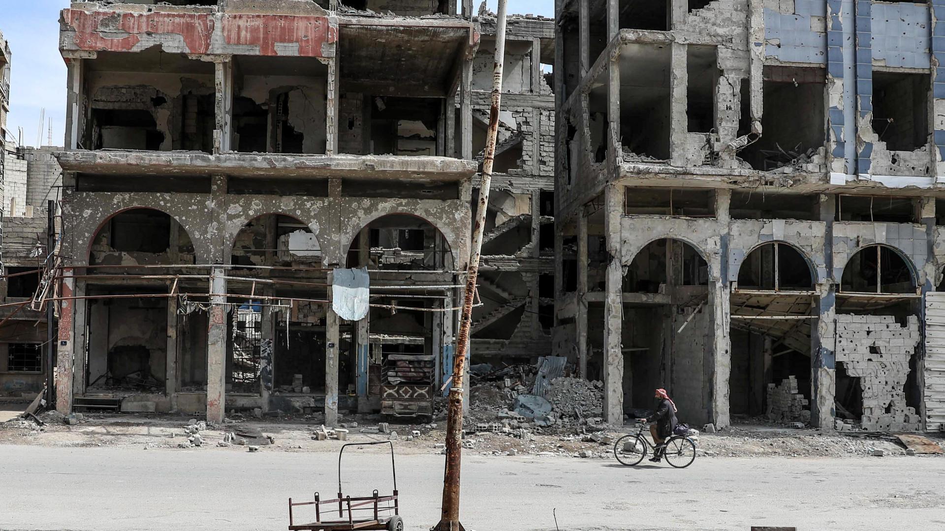 Pelo menos 30 civis mortos em ataques aéreos no enclave de Ghouta