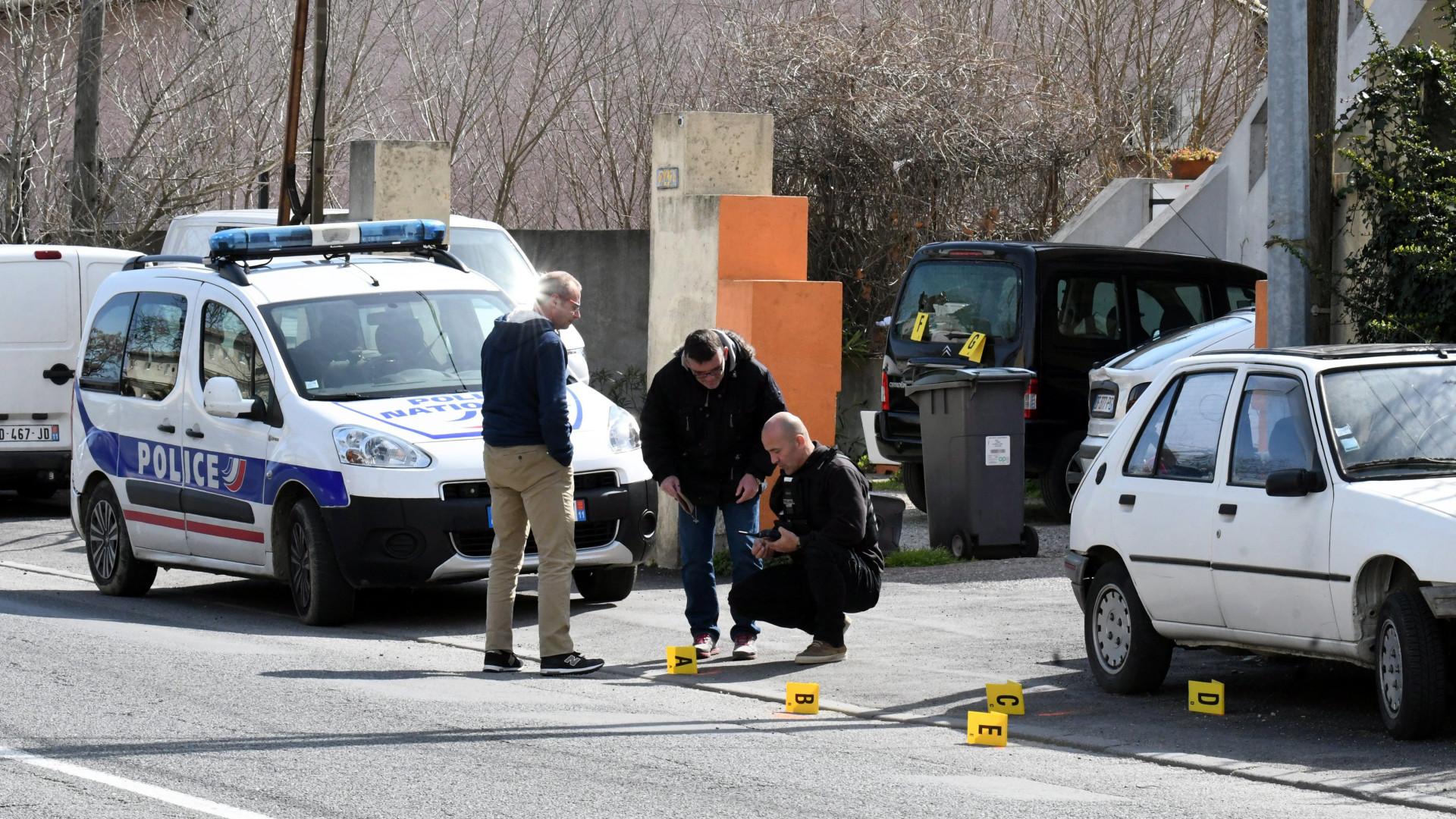 Polícia confirma dois mortos e uma dezena de feridos em sequestro