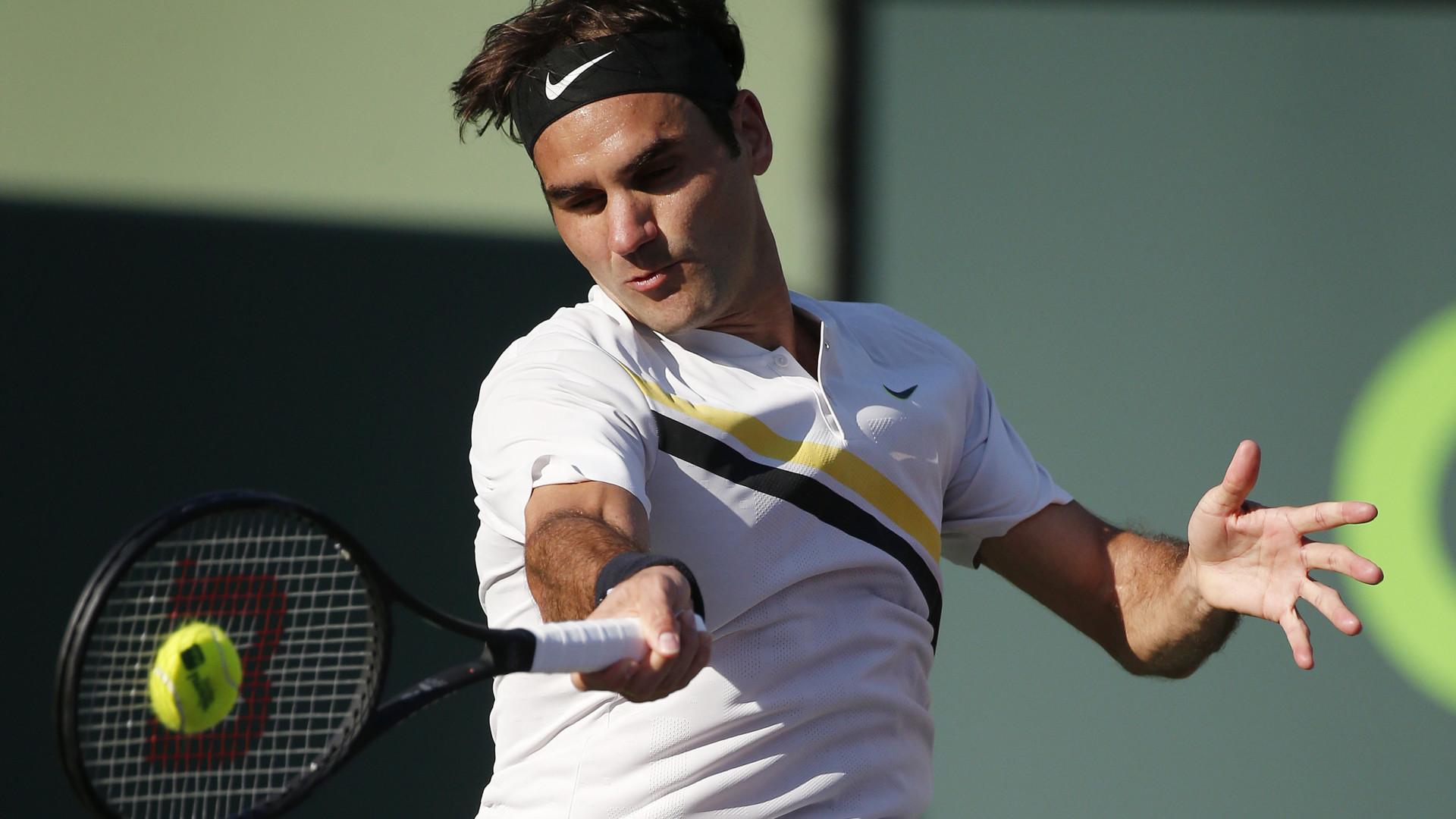 Federer volta à competição com vitória no torneio de Estugarda