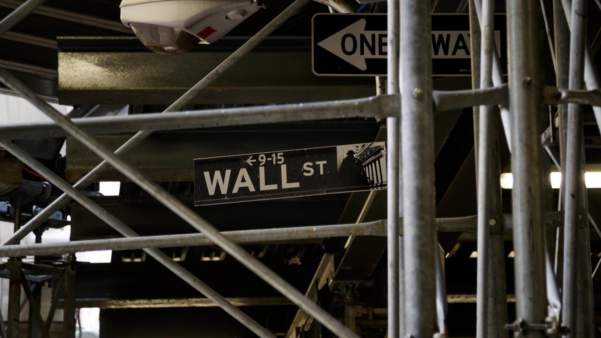 Wall Street em alta graças à tendência de pacificação na frente comercial
