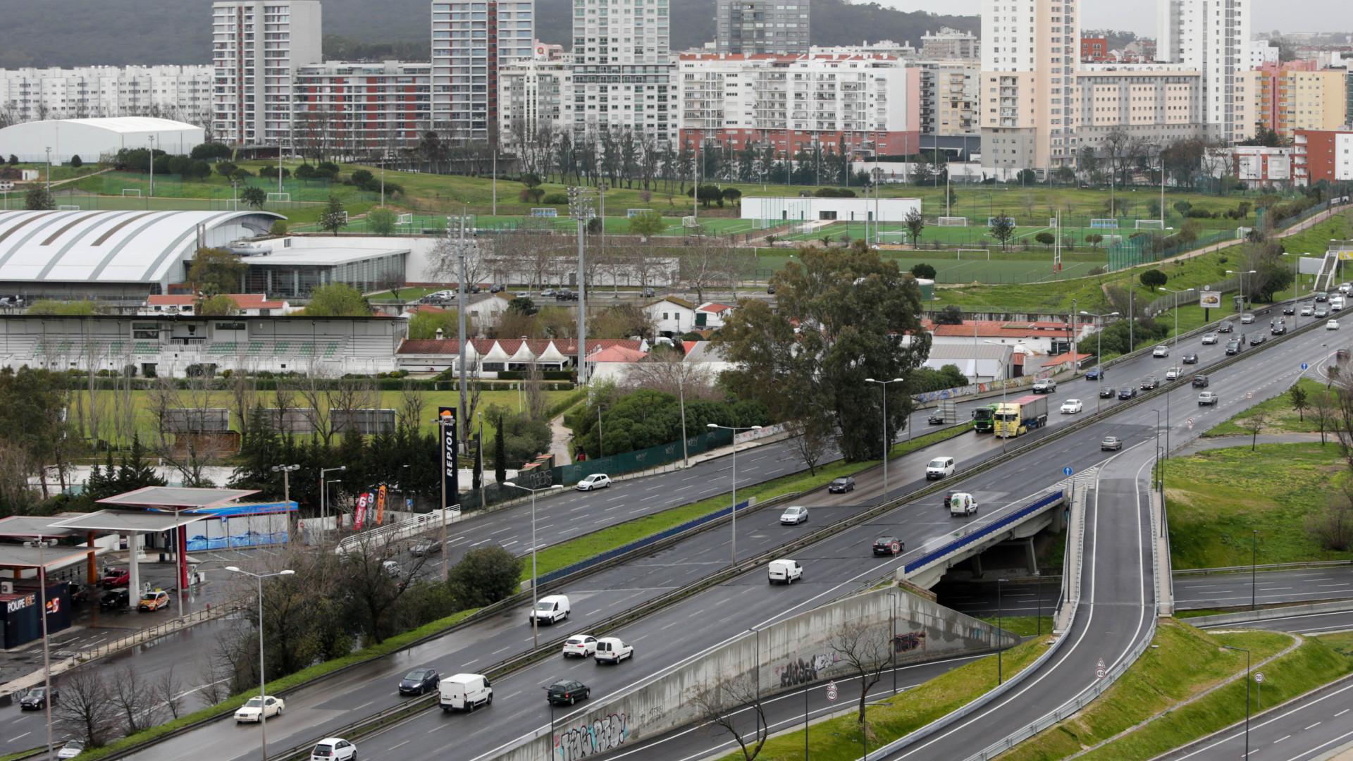 Obras condicionam trânsito até setembro na 2.ª Circular, em Lisboa