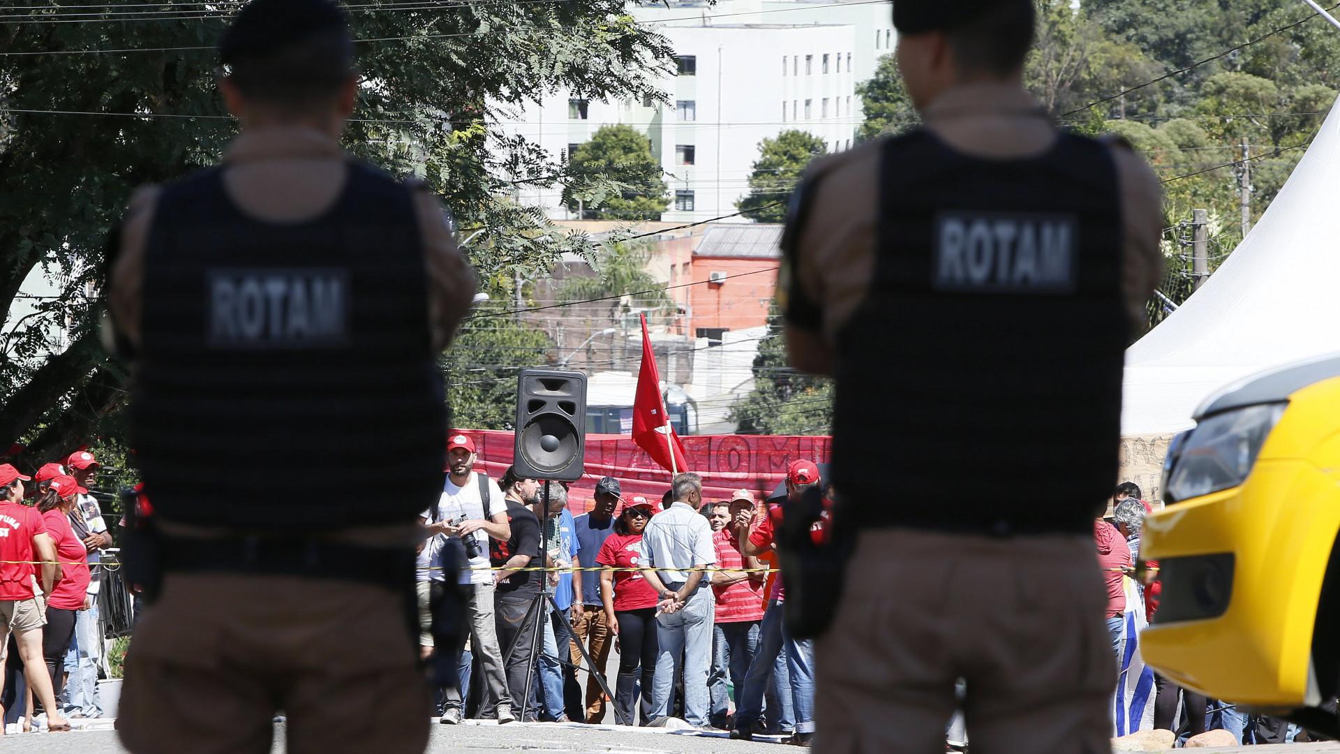 Sindicato pede transferência de Lula para unidade das Forças Armadas