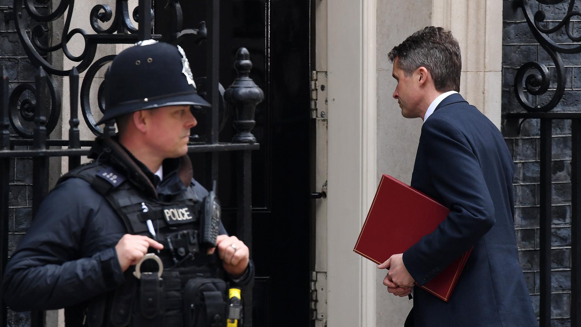 Inglaterra também anuncia ataque à Síria