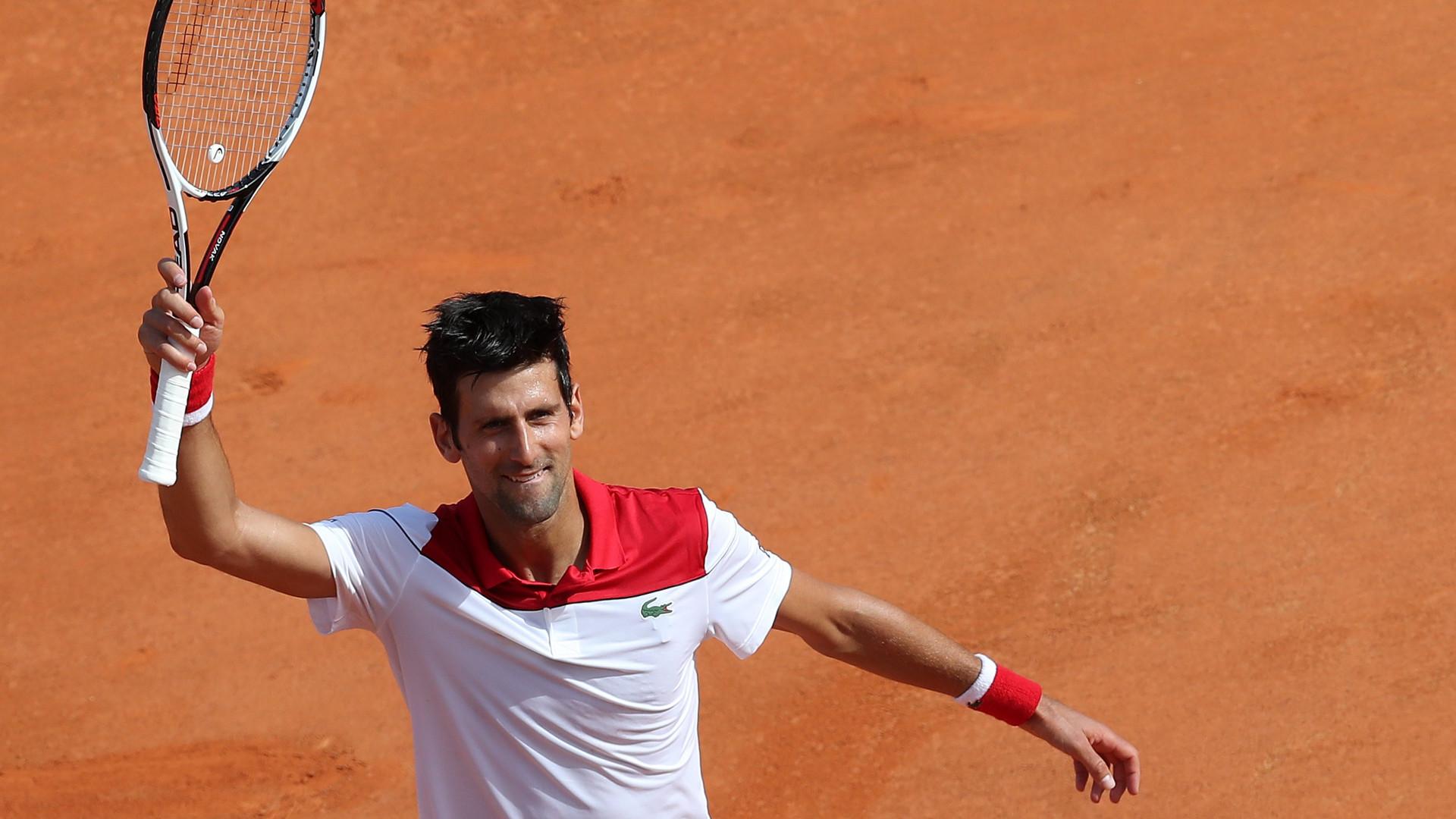 Djokovic regressa às vitórias três meses depois