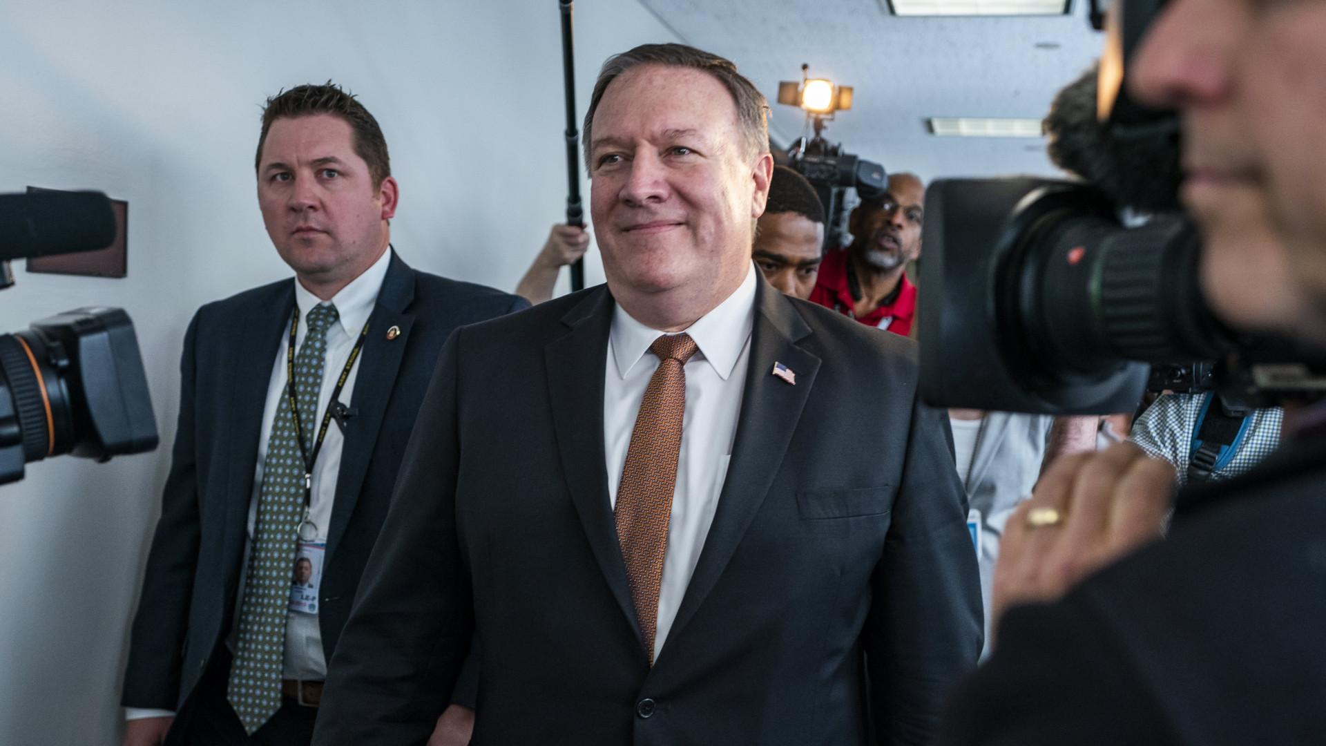Senado dos EUA confirma Mike Pompeo como novo secretário de Estado