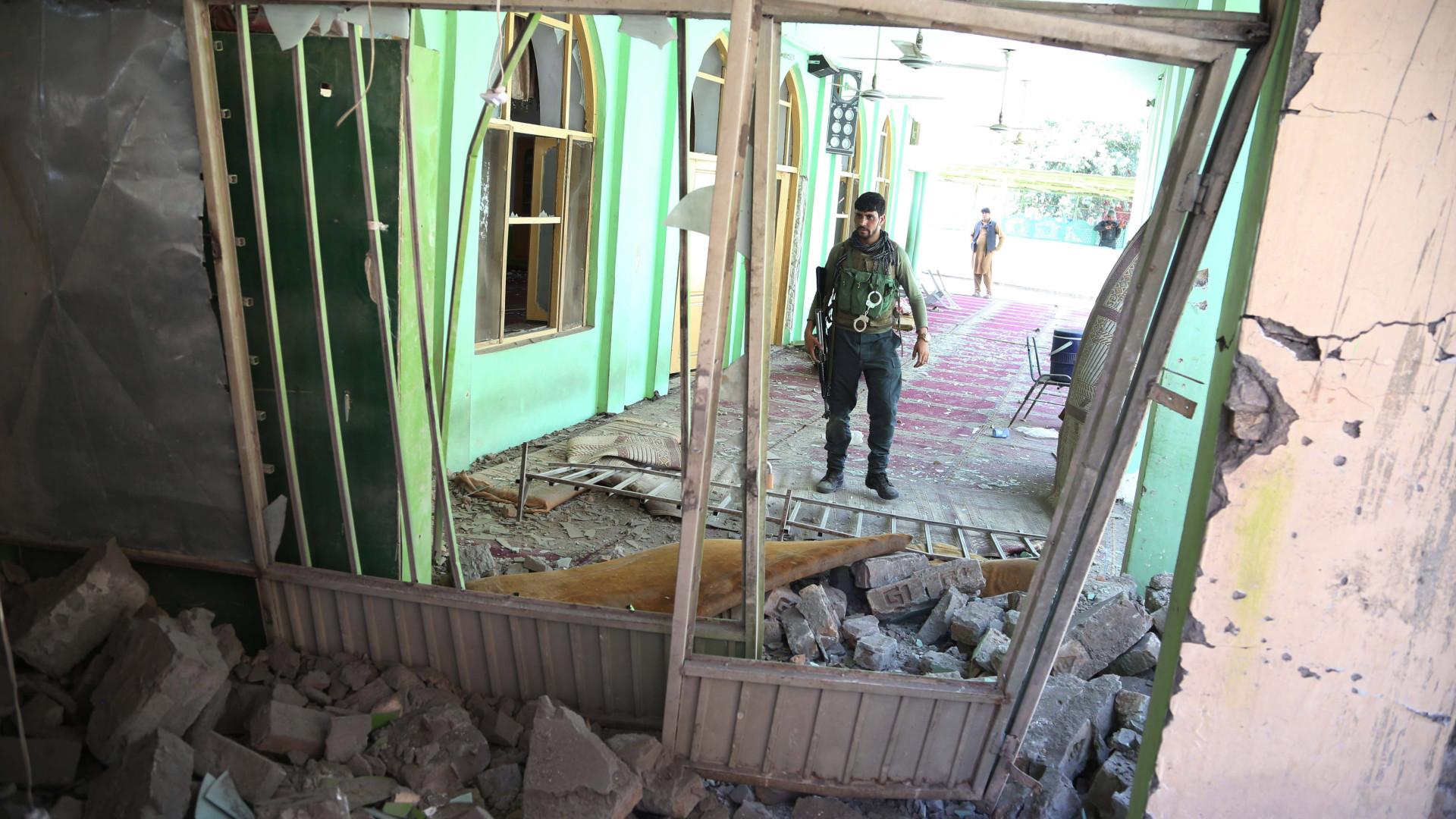 Ataque contra centro eleitoral deixa pelo menos 12 mortos no Afeganistão