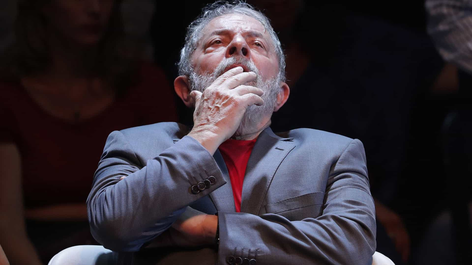 "Lula da Silva critica a ""farsa judicial"" de que diz ser vítima"