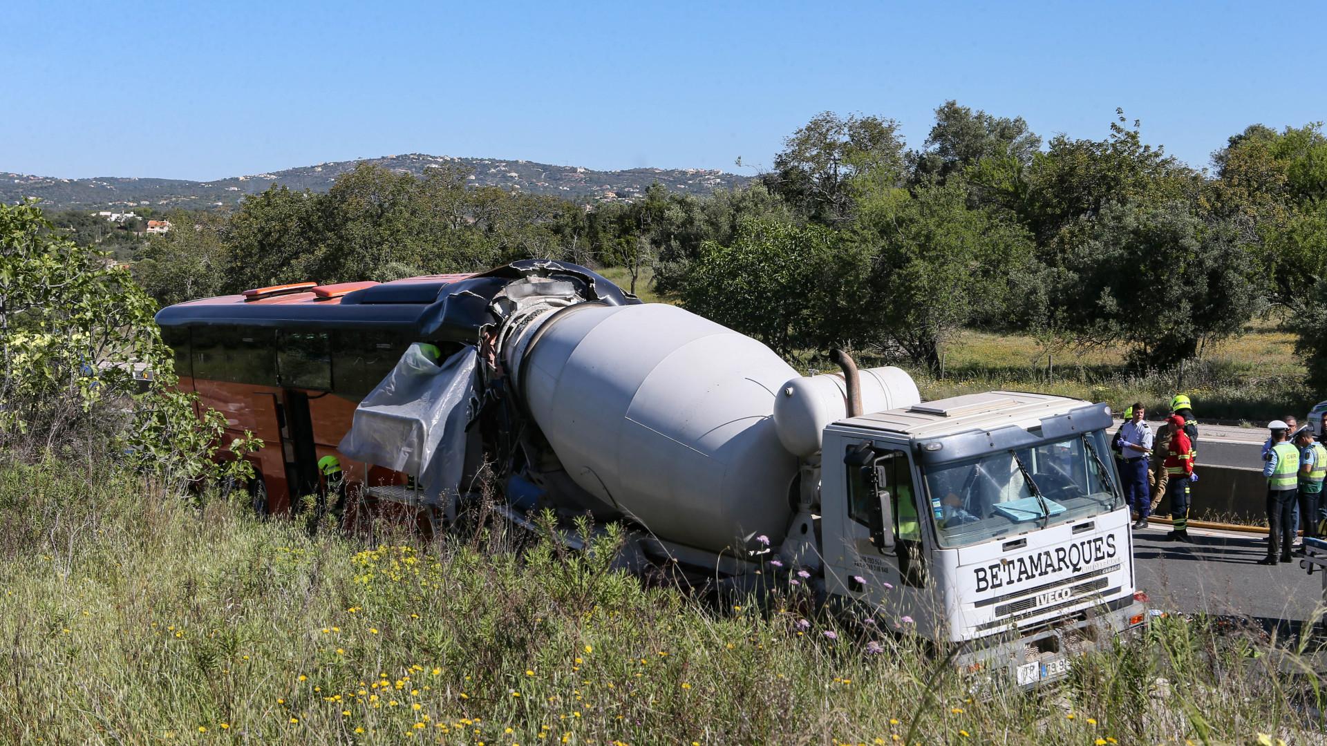 Reportagem SIC: Vários feridos em acidente na A22