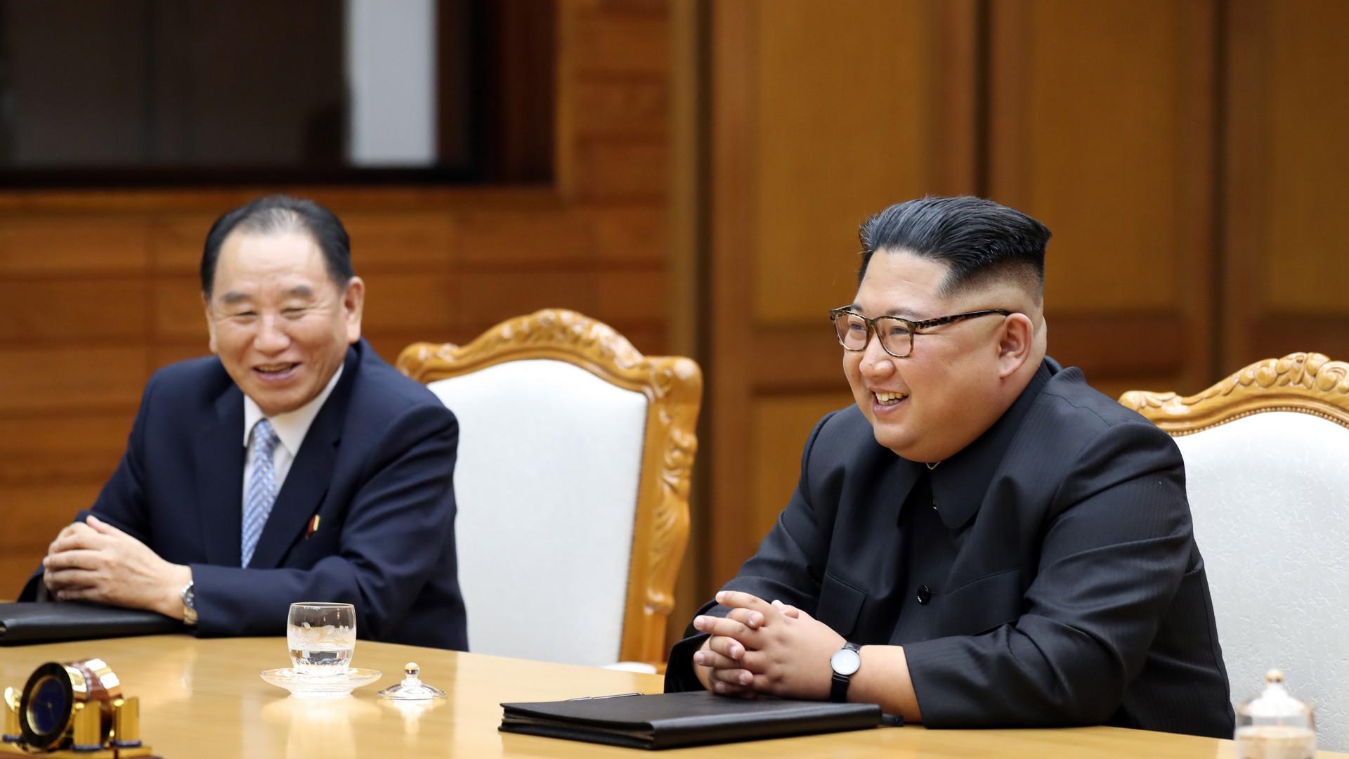 Coreia do Sul propõe cimeira a três para pôr fim à guerra