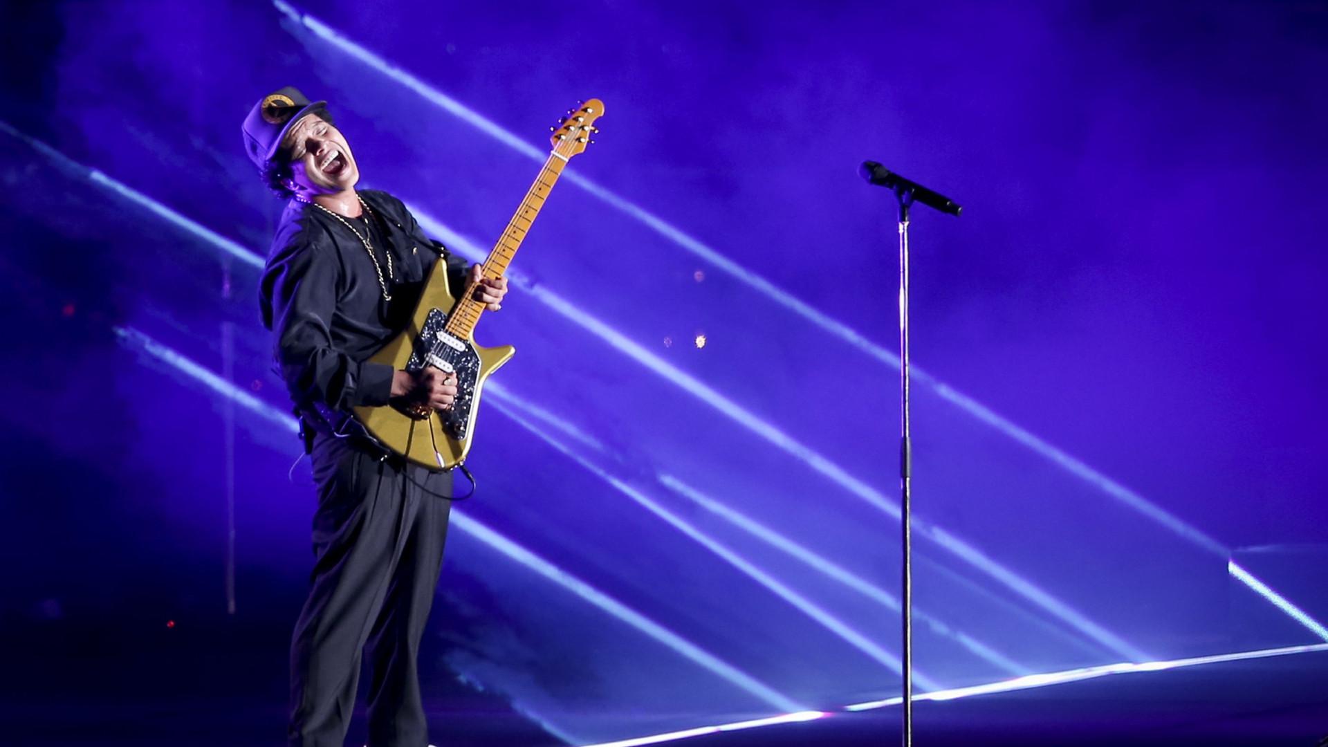 Bruno Mars seduziu, mas o público já estava rendido