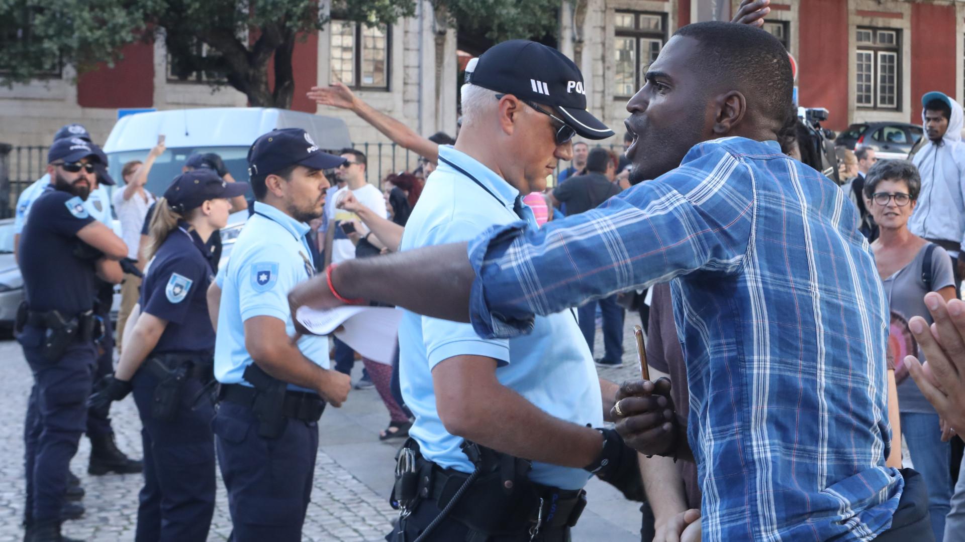 PNR e movimentos antirracistas em confronto verbal esta tarde em Lisboa