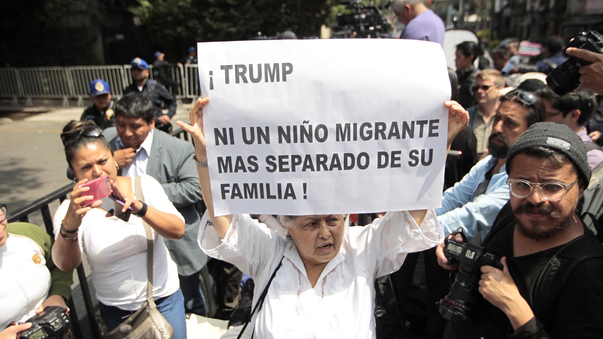 Presidente do México pede aos EUA reunião das famílias separadas