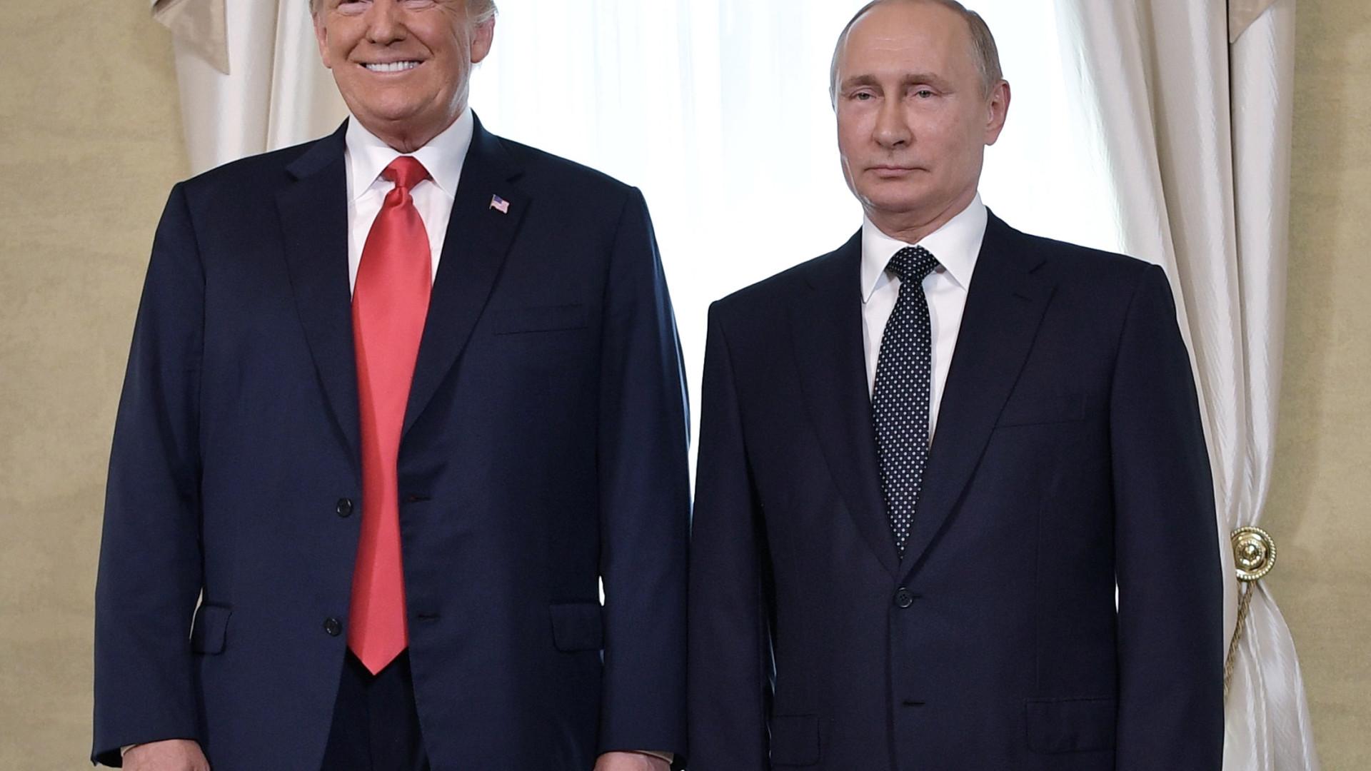 """Trump diz que cimeira com Putin teve """"começo muito bom"""""""