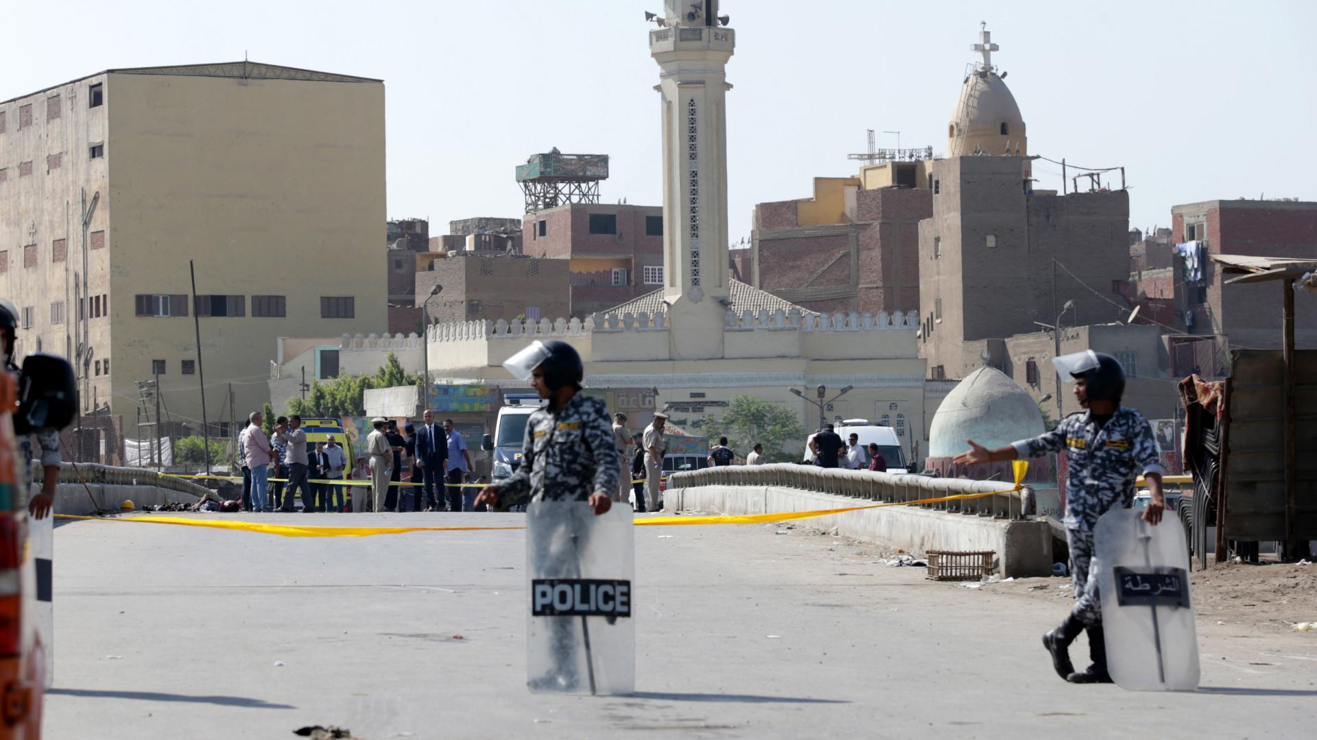 Forças de segurança impedem atentado em igreja no Cairo