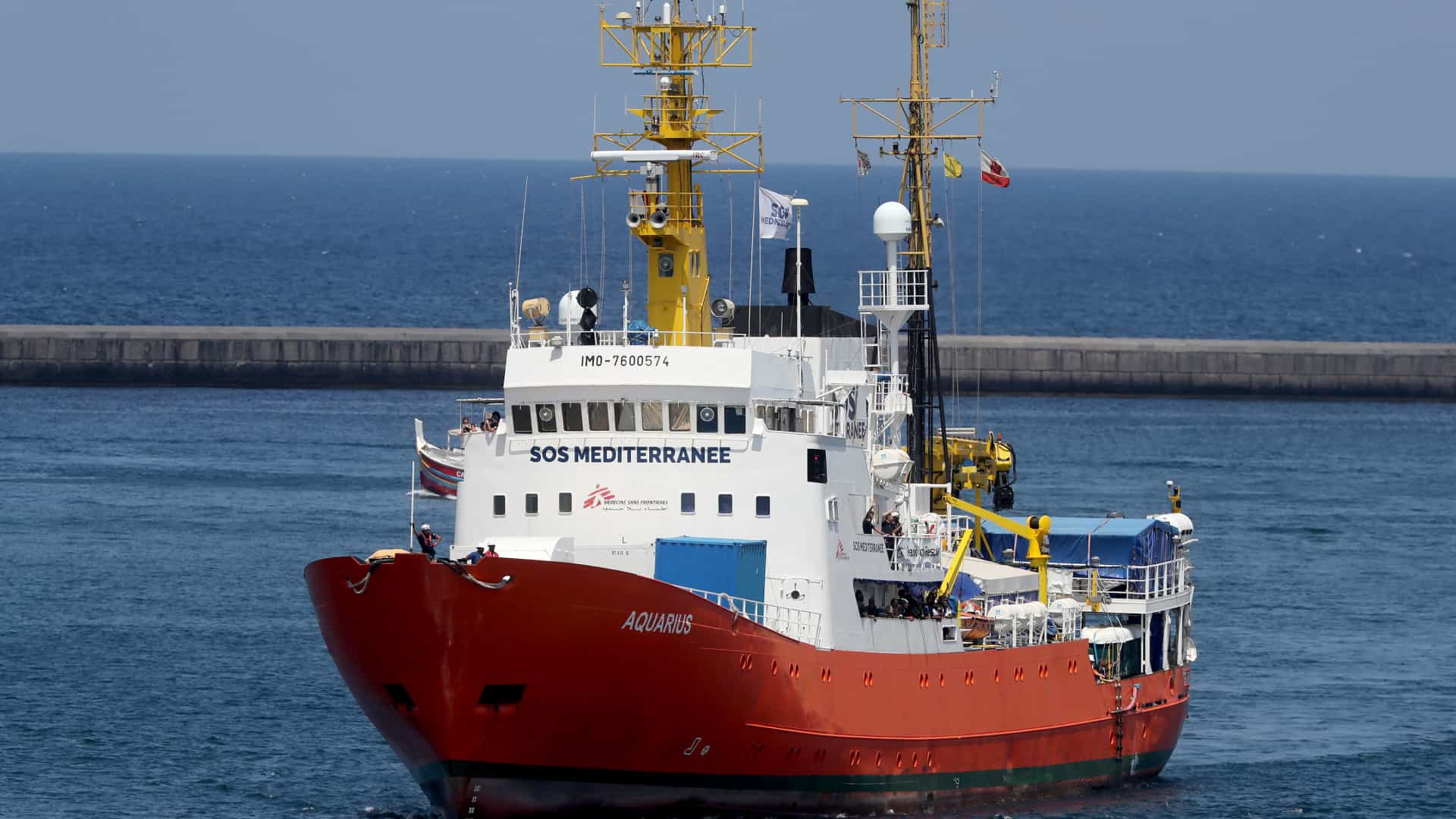 Aquarius regressa ao Mediterrâneo com novo nome e nova bandeira