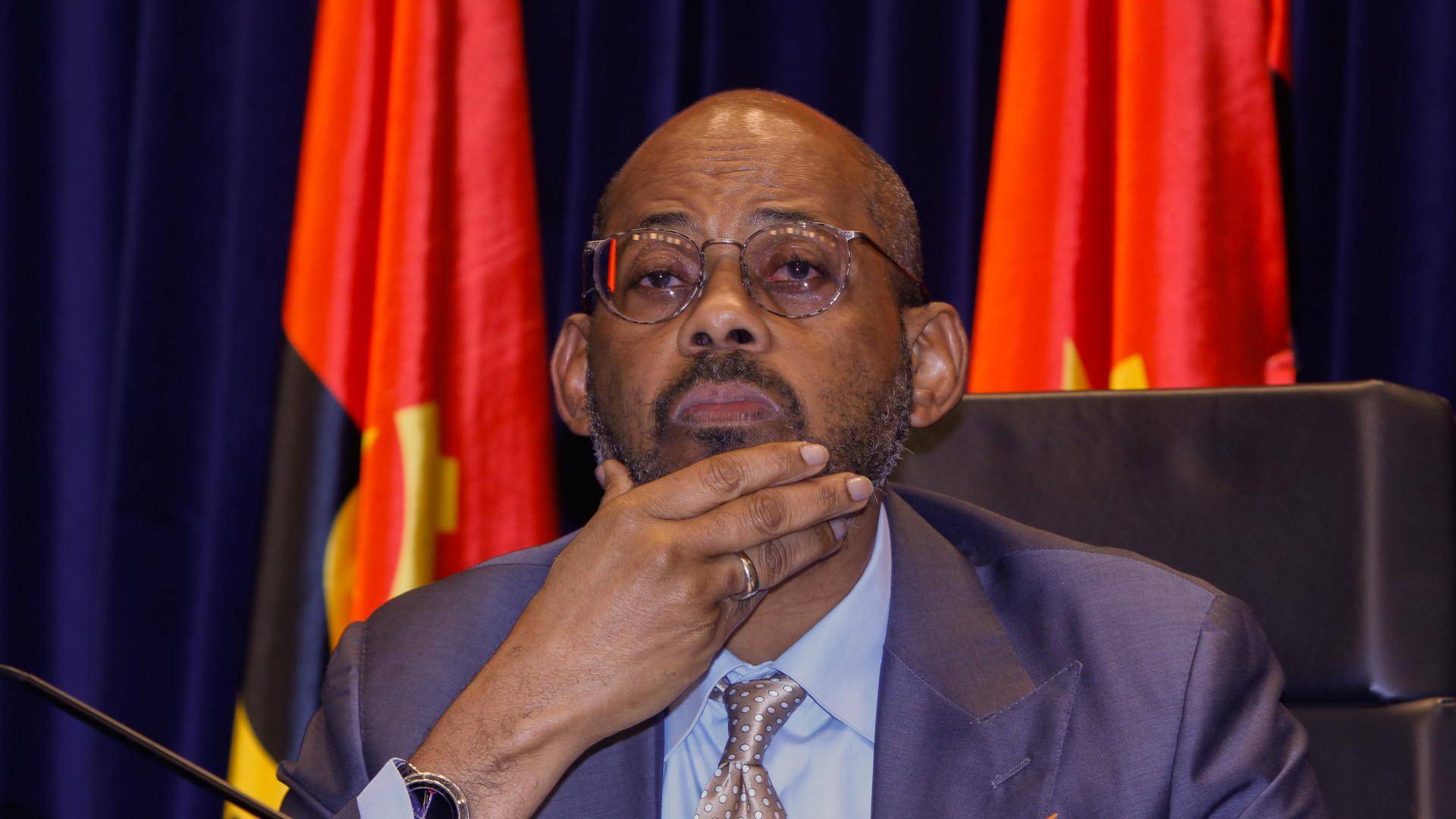 Angola espera concluir negociações com FMI até dezembro