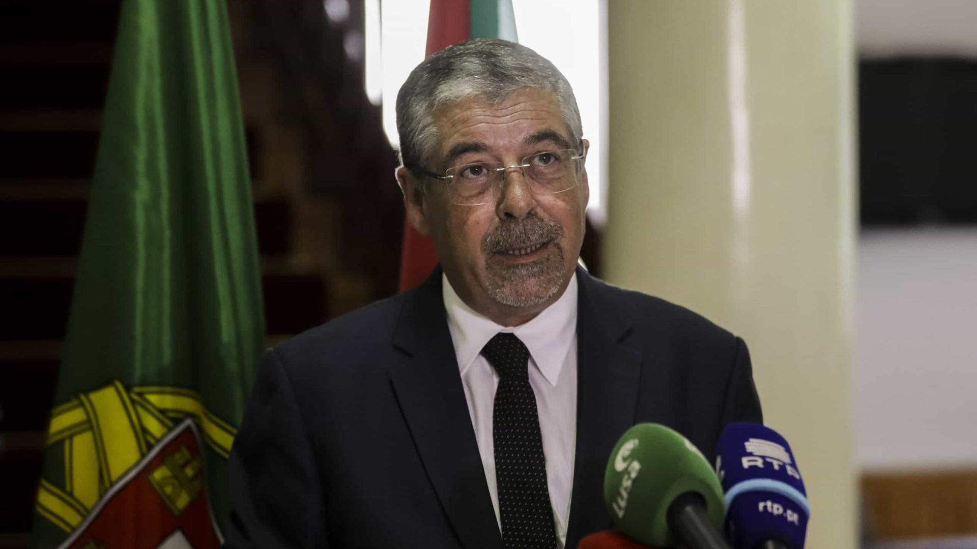 Municípios propõem renegociação de transferência de competências