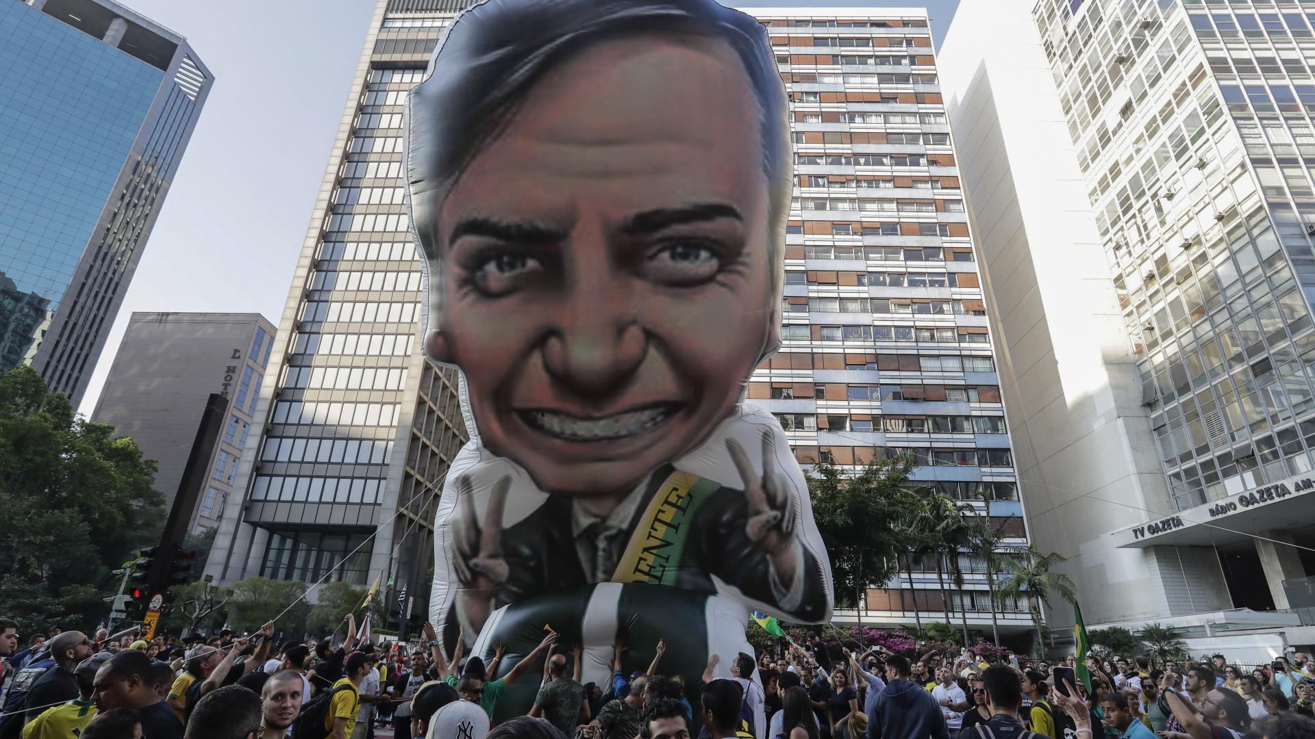 Investigador diz que Bolsonaro saiu beneficiado a nível eleitoral