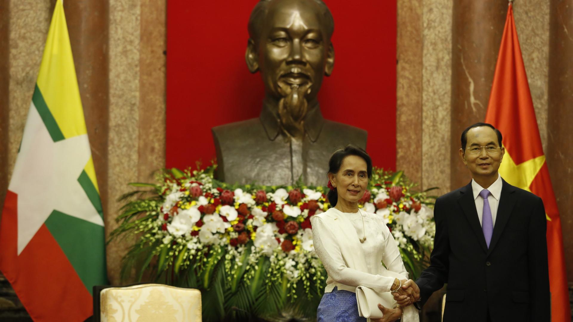 Myanmar diz que país podia ter lidado melhor com crise dos rohingya
