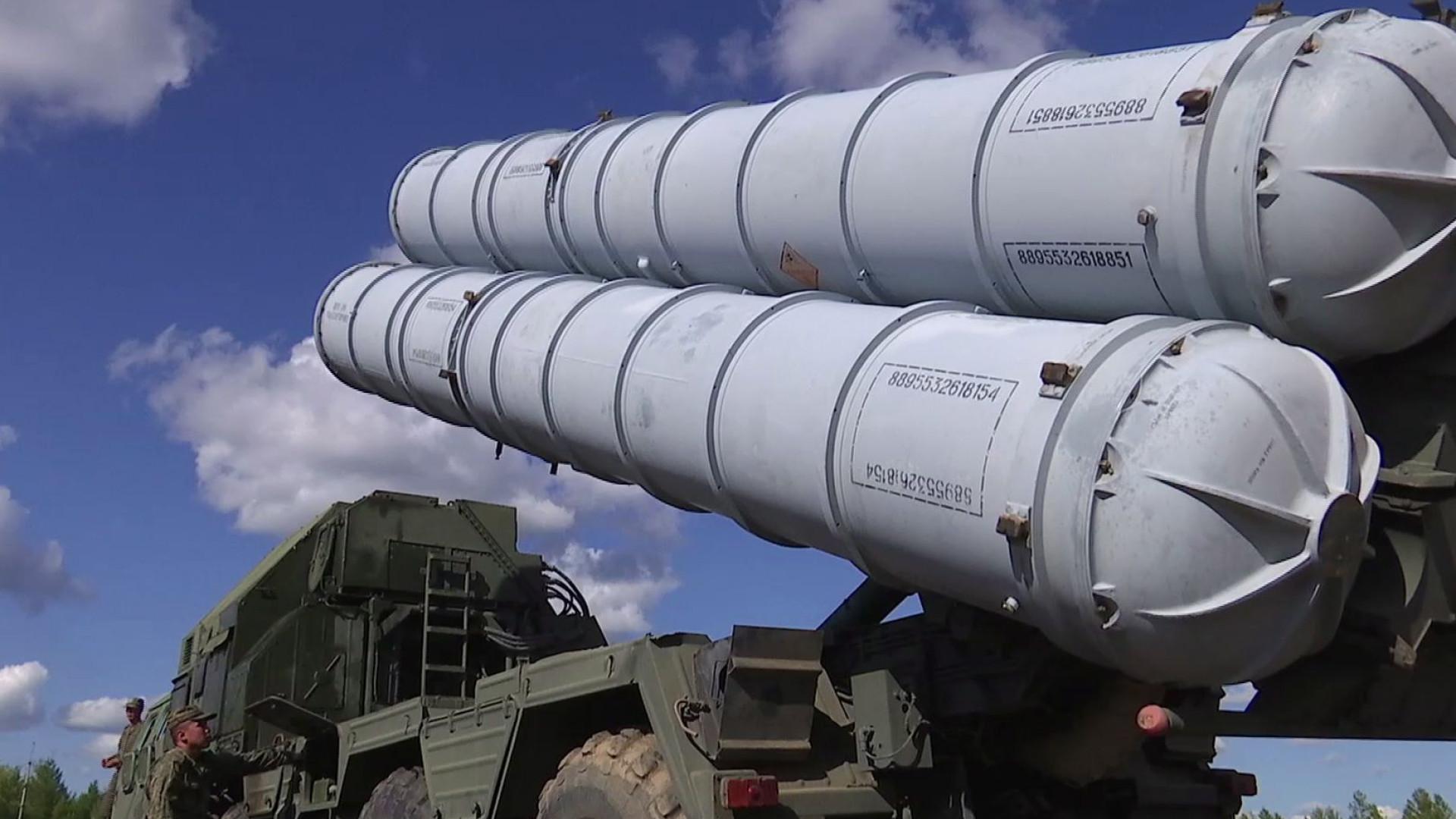Rússia fornecerá sistema com mísseis antiaéreos S-300 em duas semanas