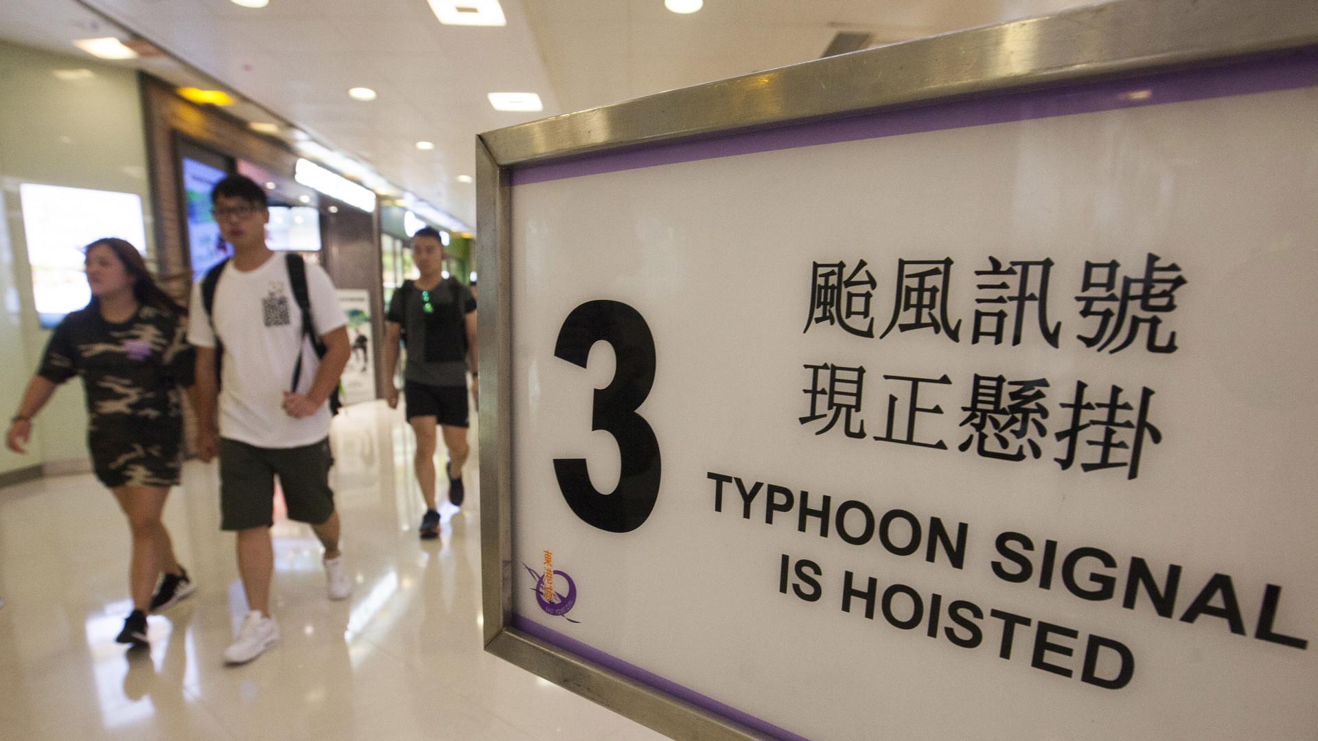Tufão obriga a ativar plano de evacuação e a cancelar 150 voos em Macau