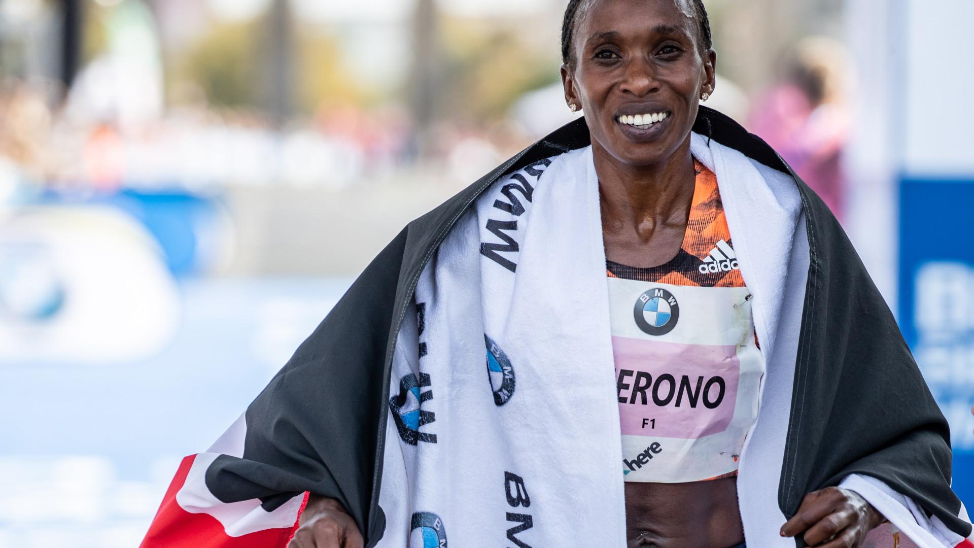 Gladys Cherono vence maratona de Berlim, Carla Salomé Rocha é oitava