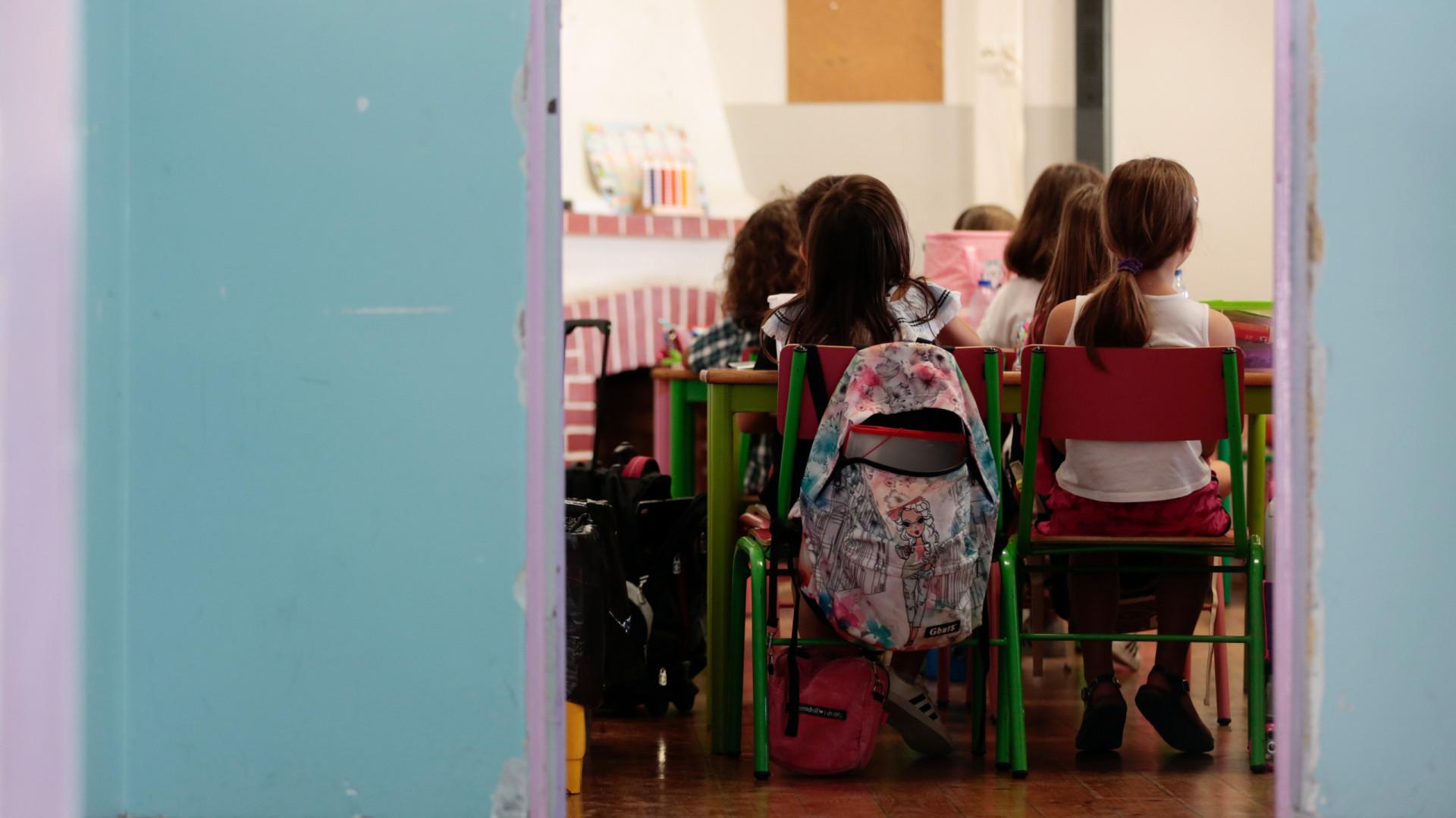 Diretor-geral da Educação retira inquérito com acusações de racismo