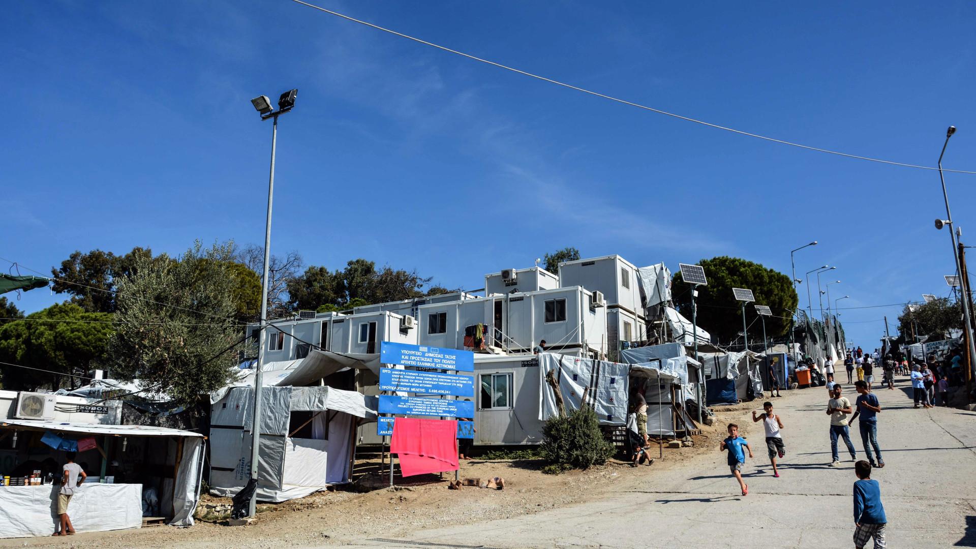 Grécia acelera transferência de 3.000 migrantes de campos sobrelotados