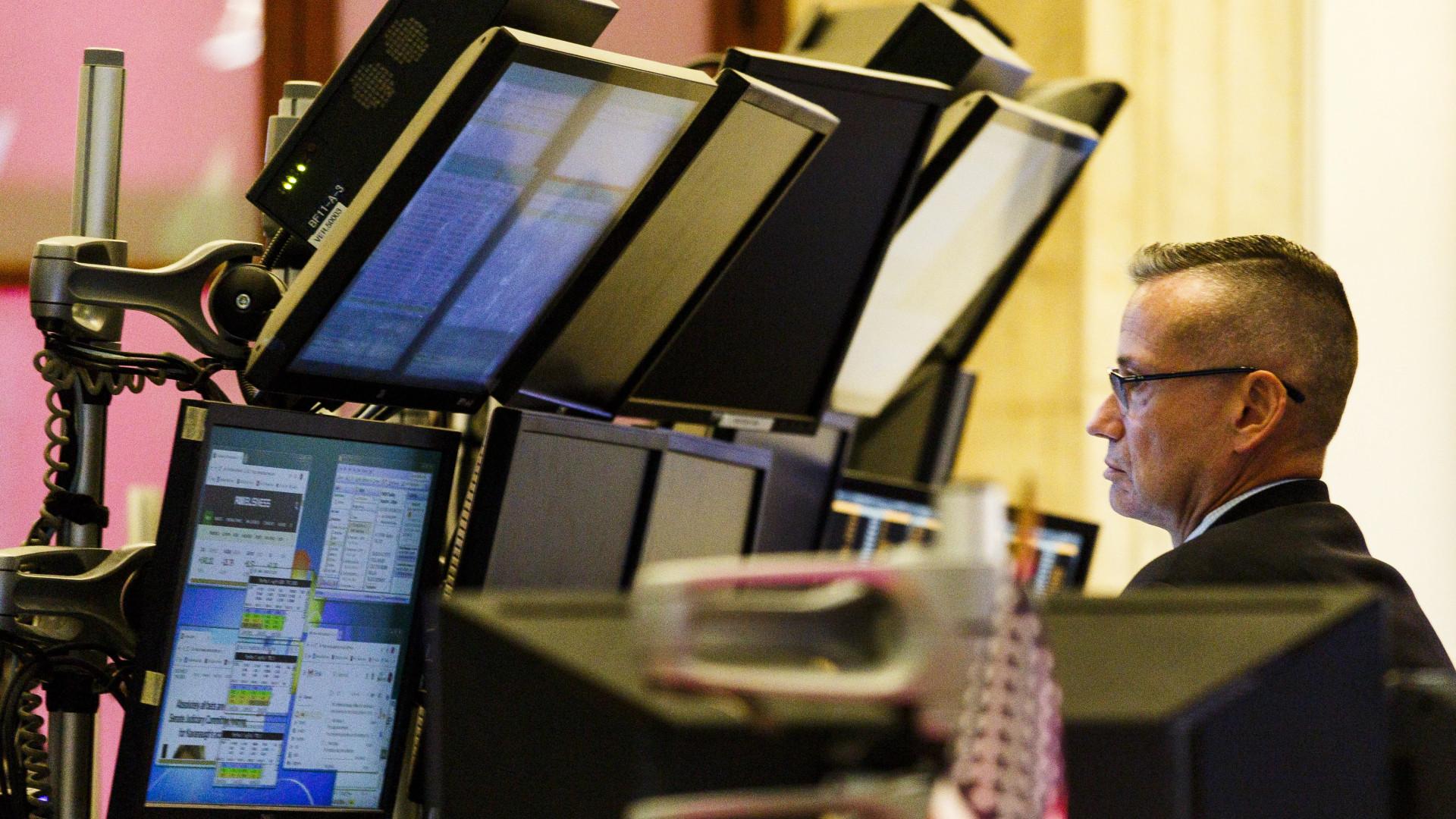 Wall Street segue em alta a recuperar de perdas nas sessões anteriores