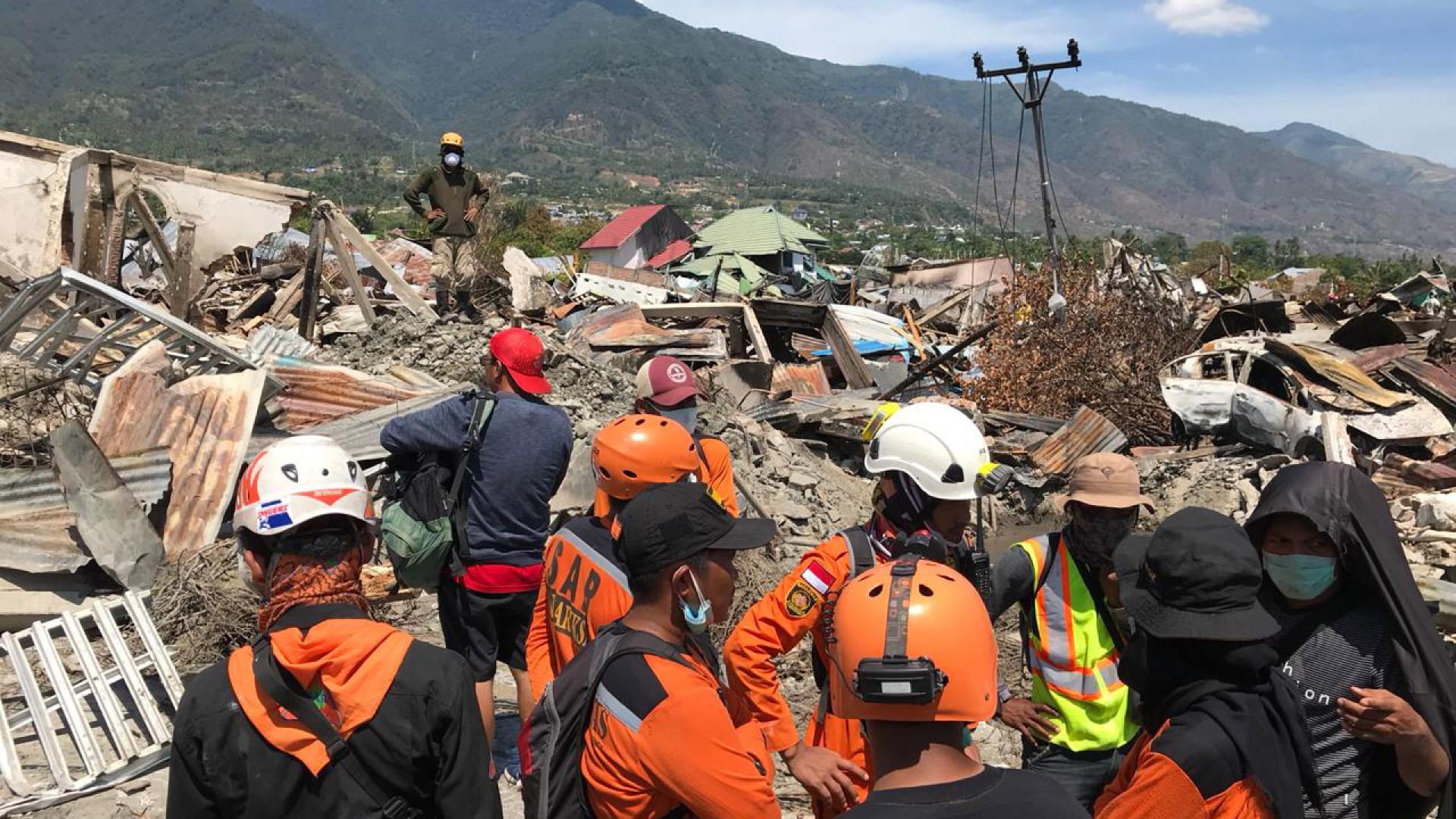 Mais de 1500 mortos no terramoto seguido de tsunami na Indonésia
