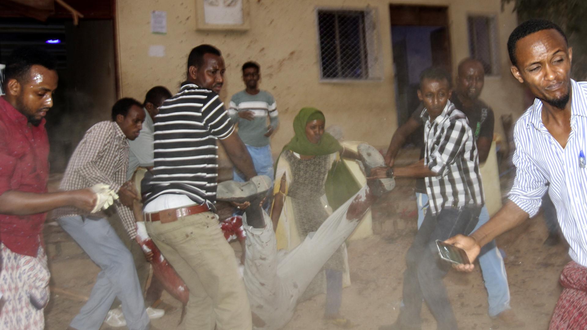 Pelo menos 16 mortos em dois atentados suicidas na Somália