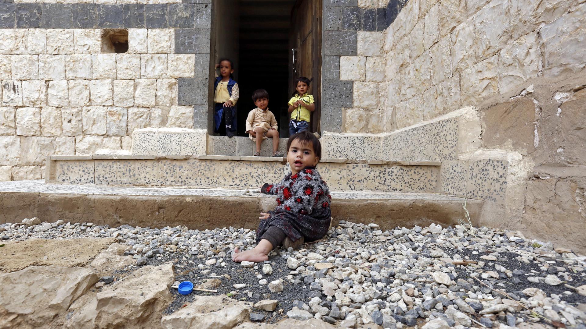 Conflito no Iémen coloca 75% da população a precisar de ajuda alimentar